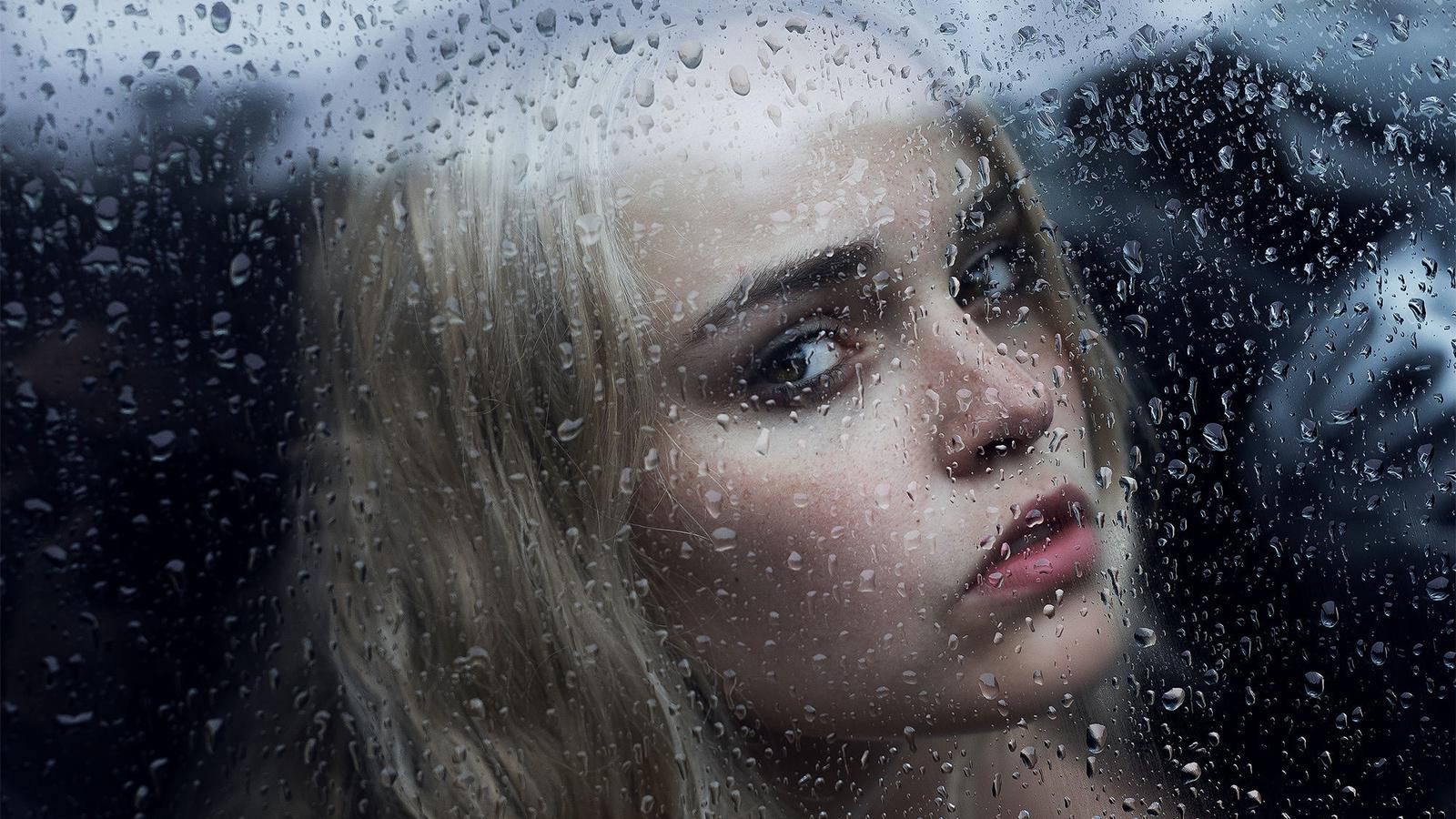 Картинки дождь за окном и девушка