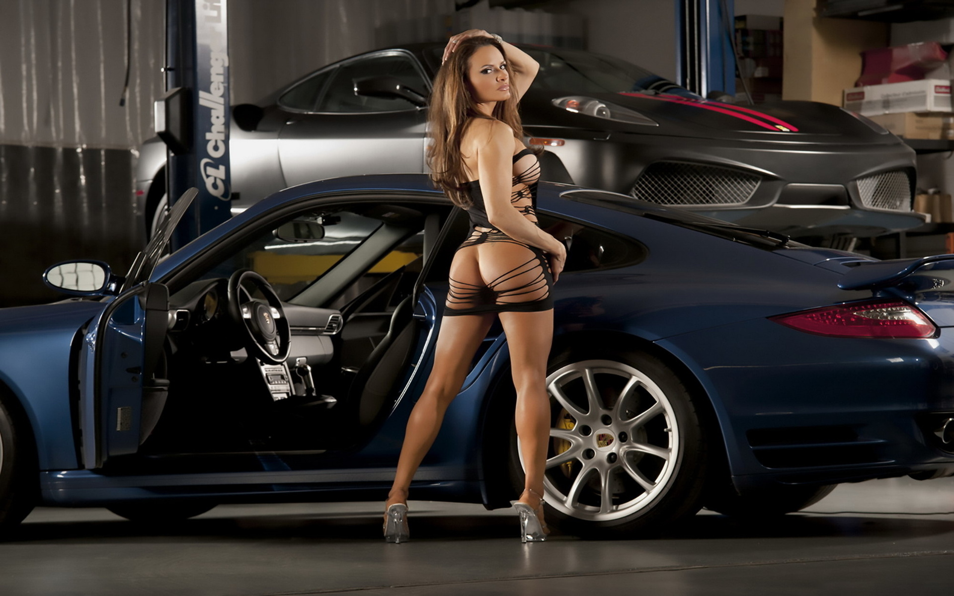 Hot babes nude with cars — photo 13