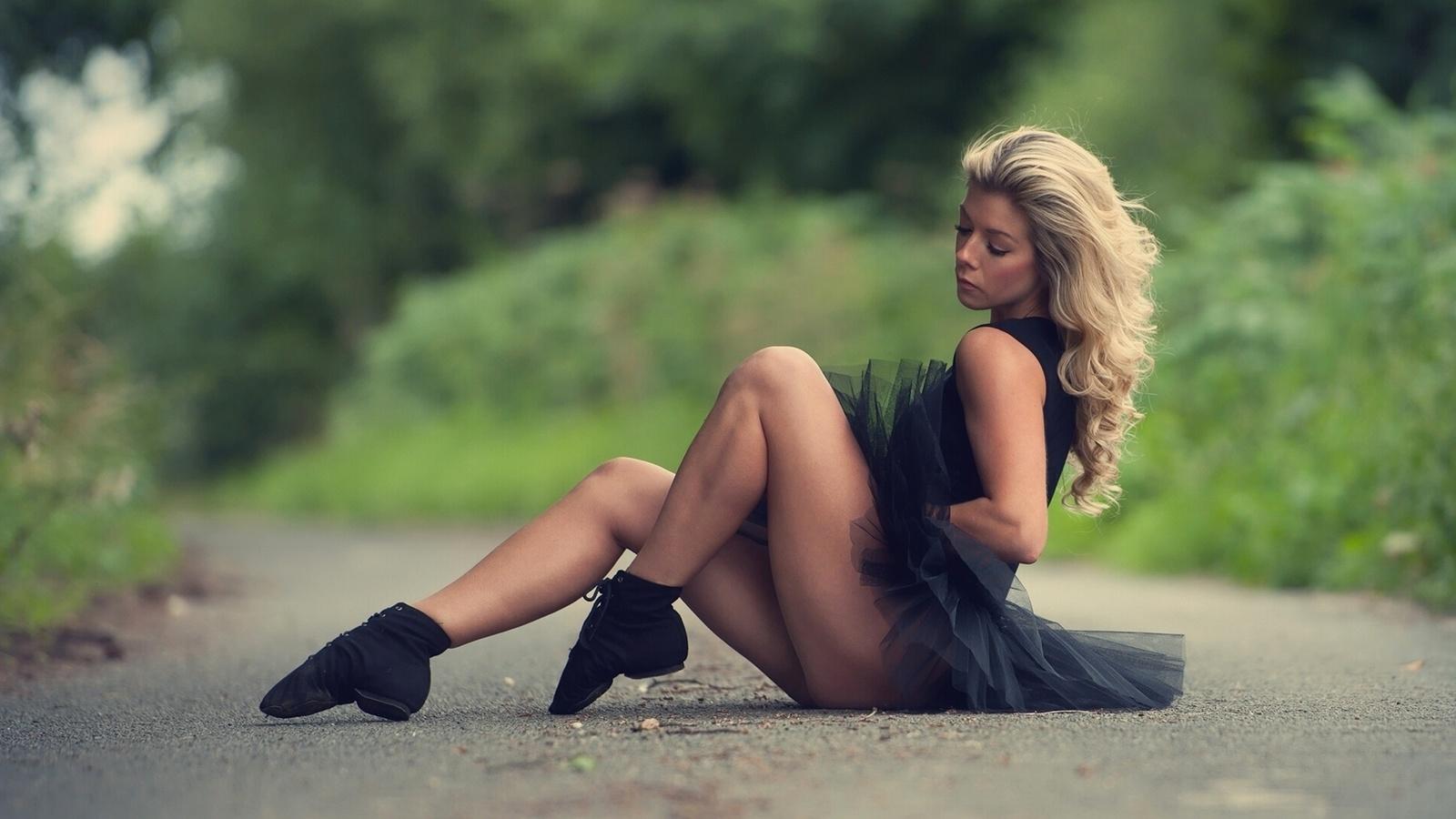 Блондинки на природе секс видео ошибаетесь