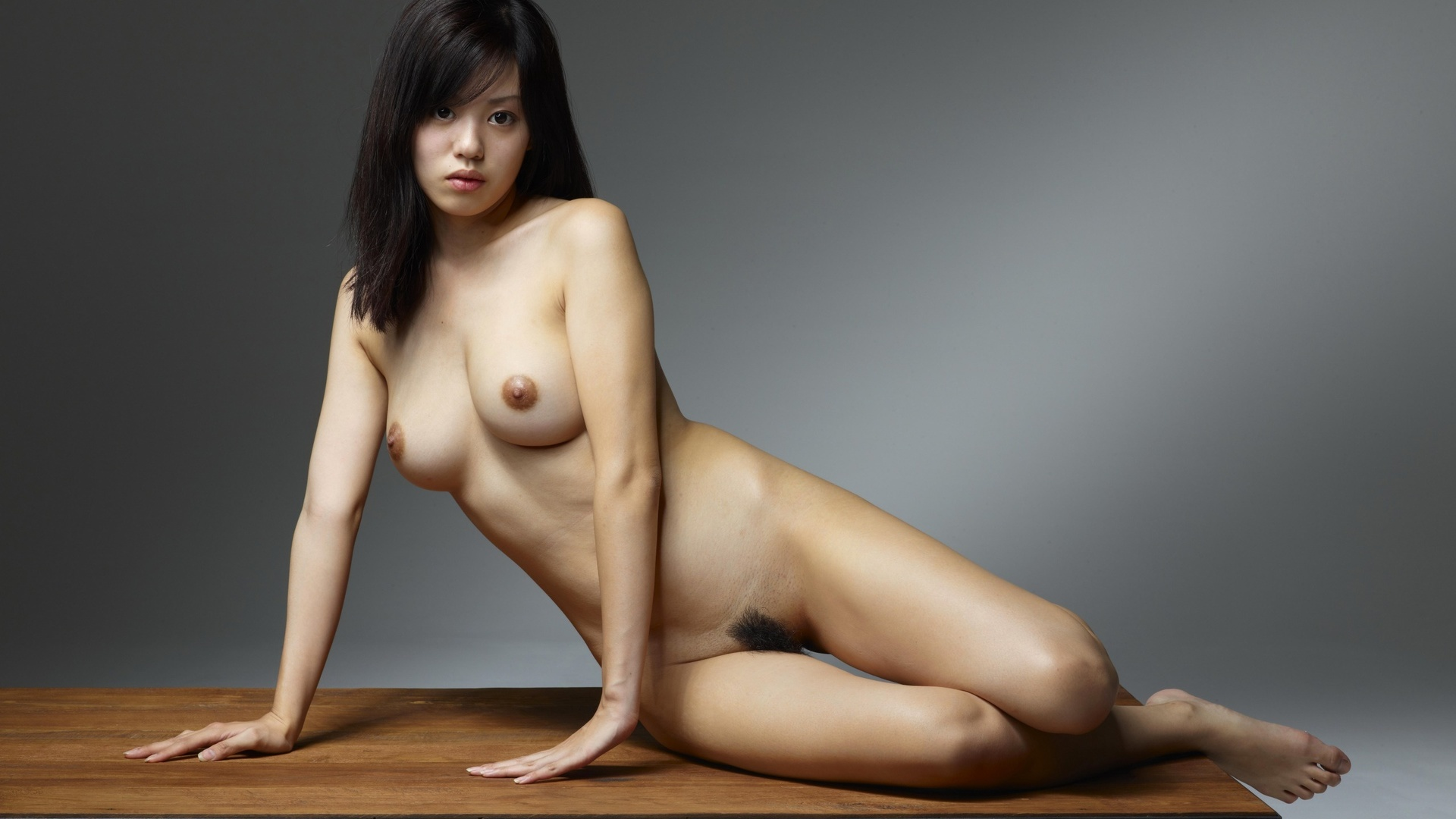 Красивая голая азиатка онлайн