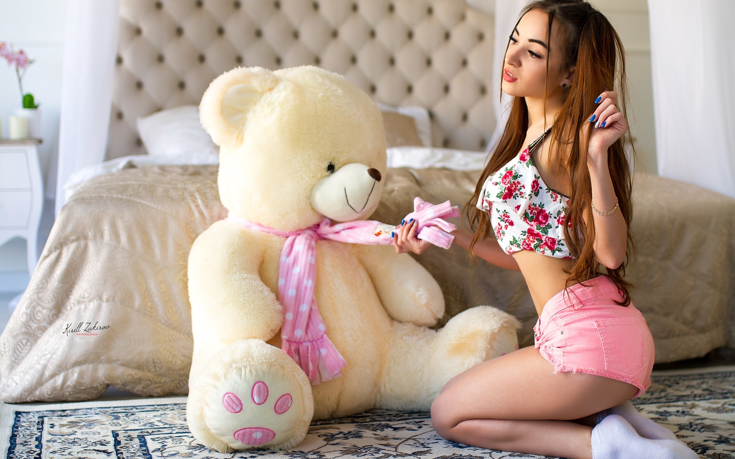 Woman hot n sexy pose with teddy bear fit