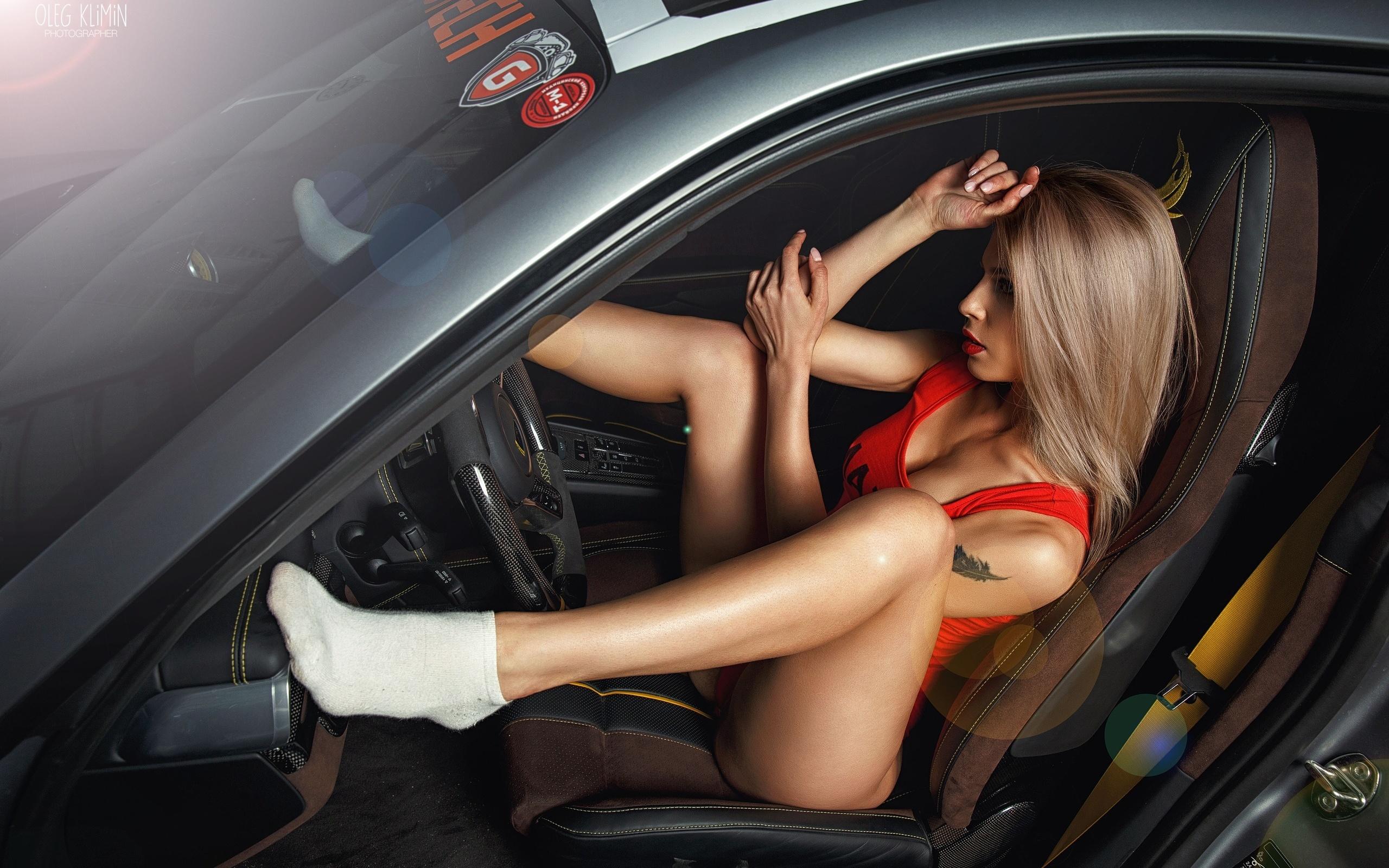 Салон авто и телки, жирные пышные толстухи порно фото