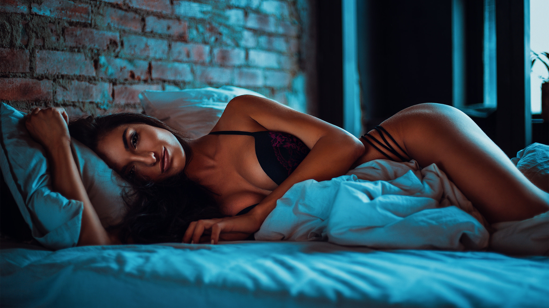 Silky sexy deep house music direct from new york, bambola anal