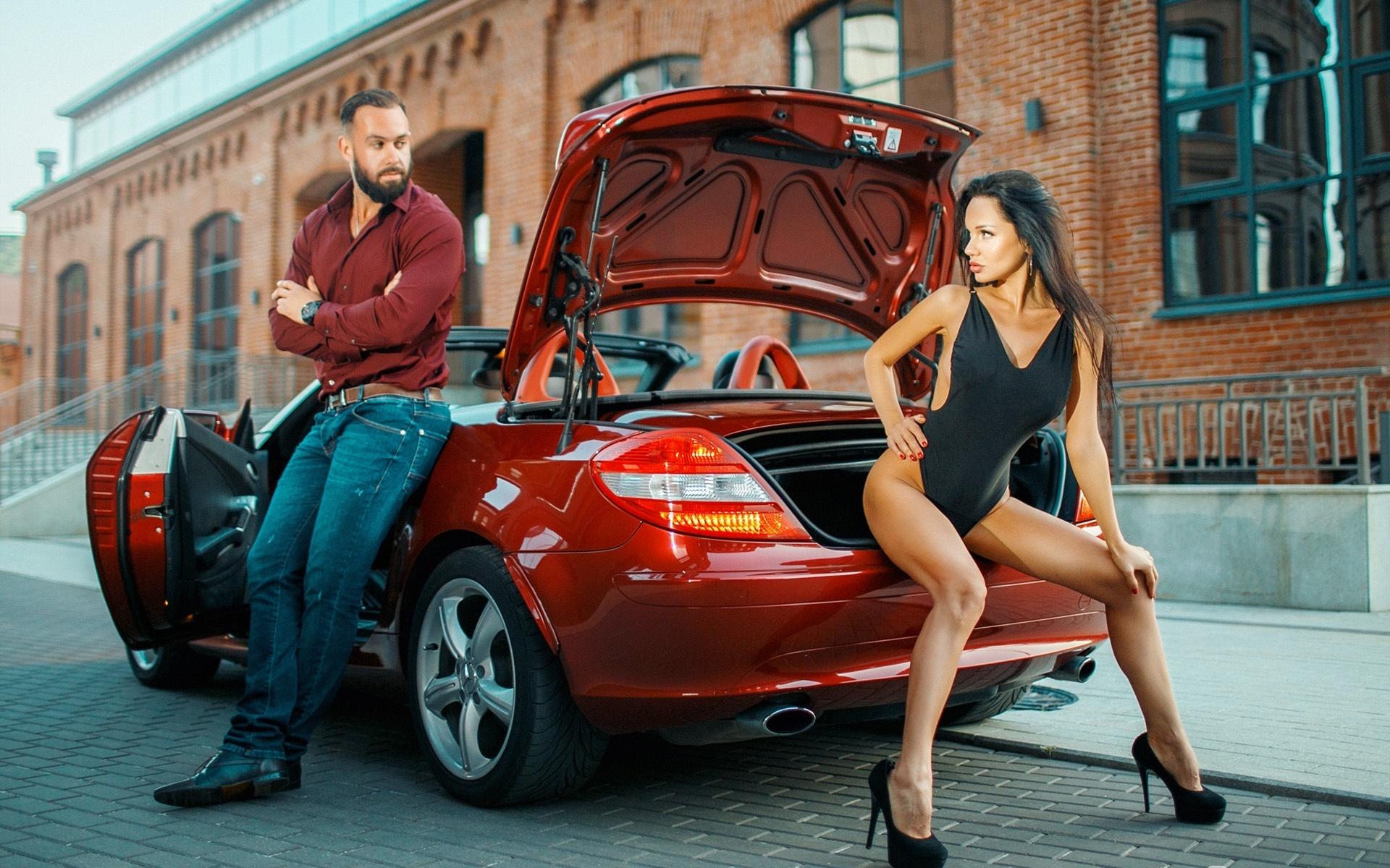 Хочу сфотографироваться около машины для рекламы