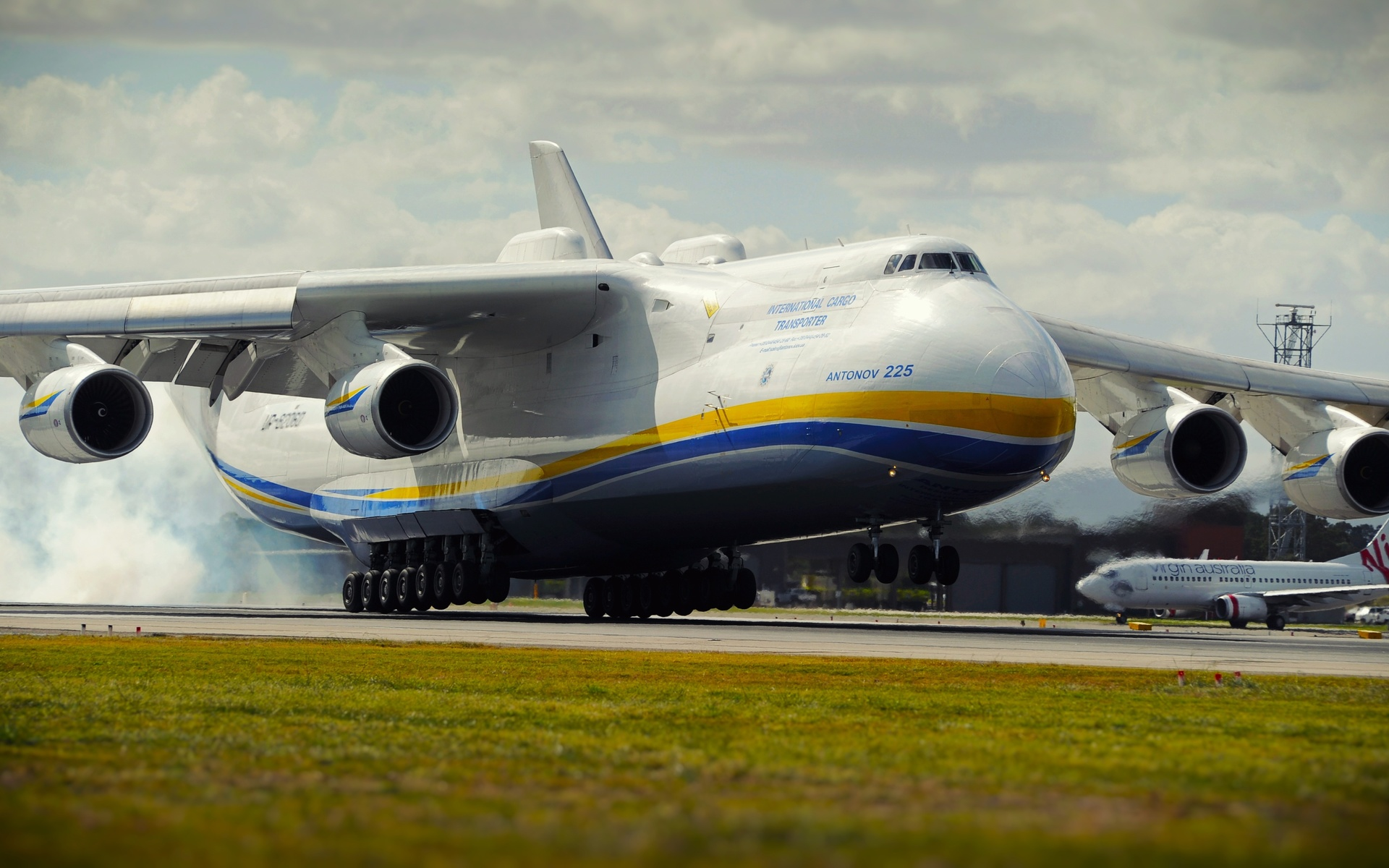 an 225, самолёт, производитель, украина, вес, 590 тонн, грузоподъемность, 254 тонны, скорость 762 км, взлет, ан-225, мрия