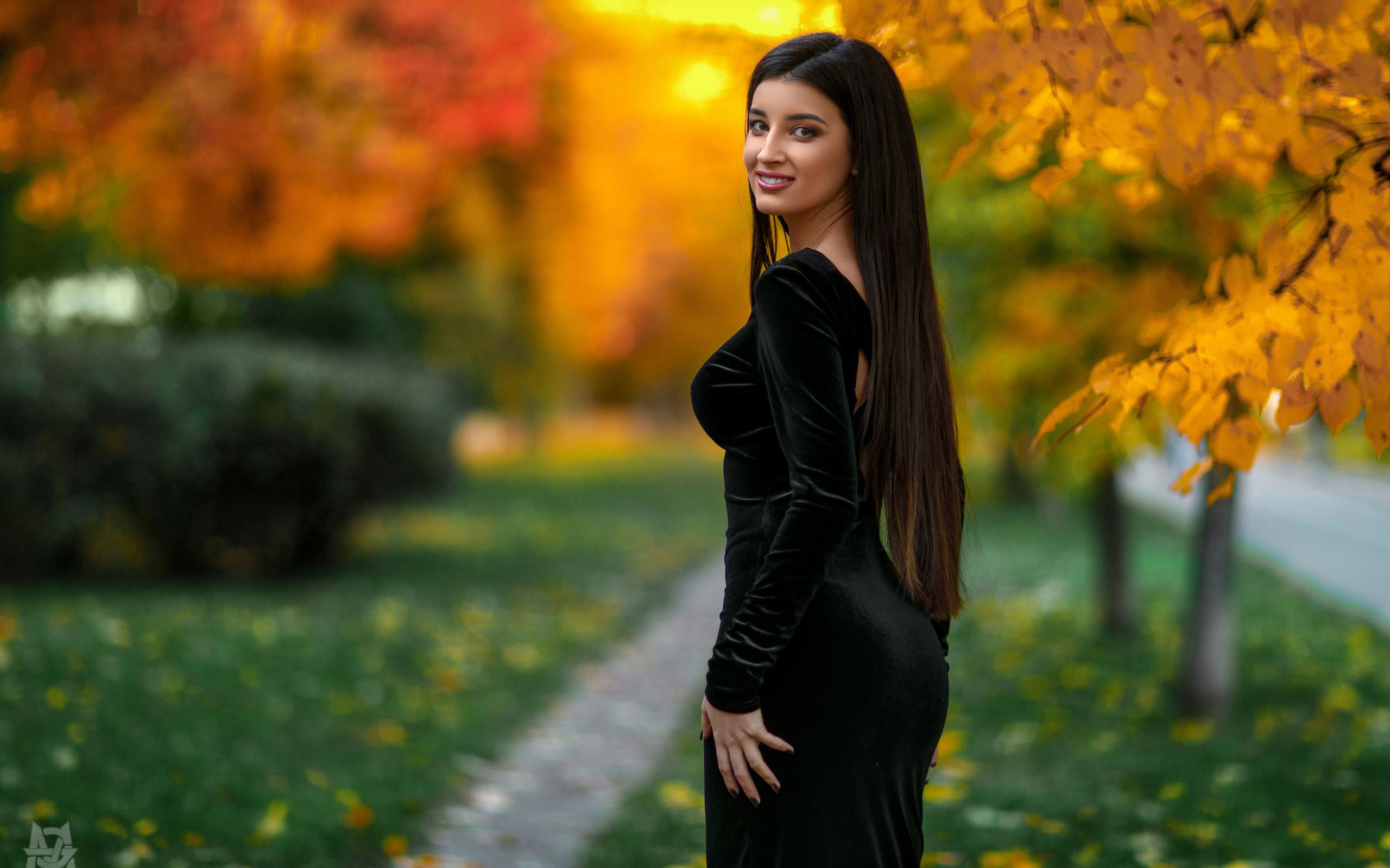 women, mihail gerasimov, tight dress, portrait, smiling, trees, leaves, grass, women outdoors, dress, long hair, painted nails, depth of field