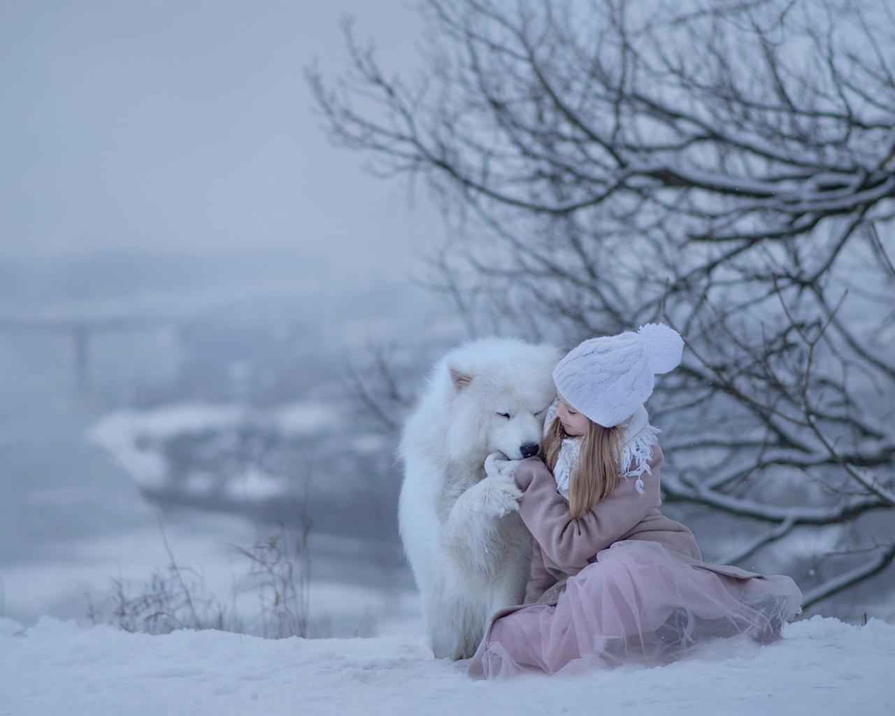 ребёнок, девочка, животное, собака, пёс, самоед, природа, зима, снег, дерево, ветки