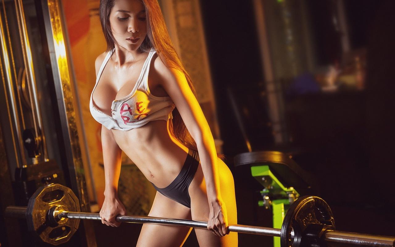 девушка, модель, азиатка, спорт, фитнес, штанга,фигура,грудь,секси