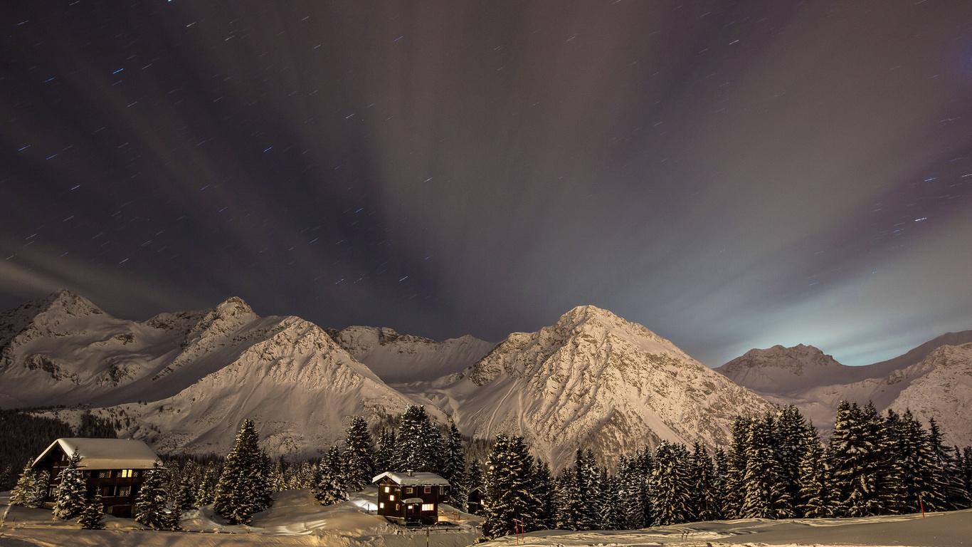зима, небо, ночь, снег, деревья, пейзаж, горы, природа, дома, звёзды, ели, тропинки