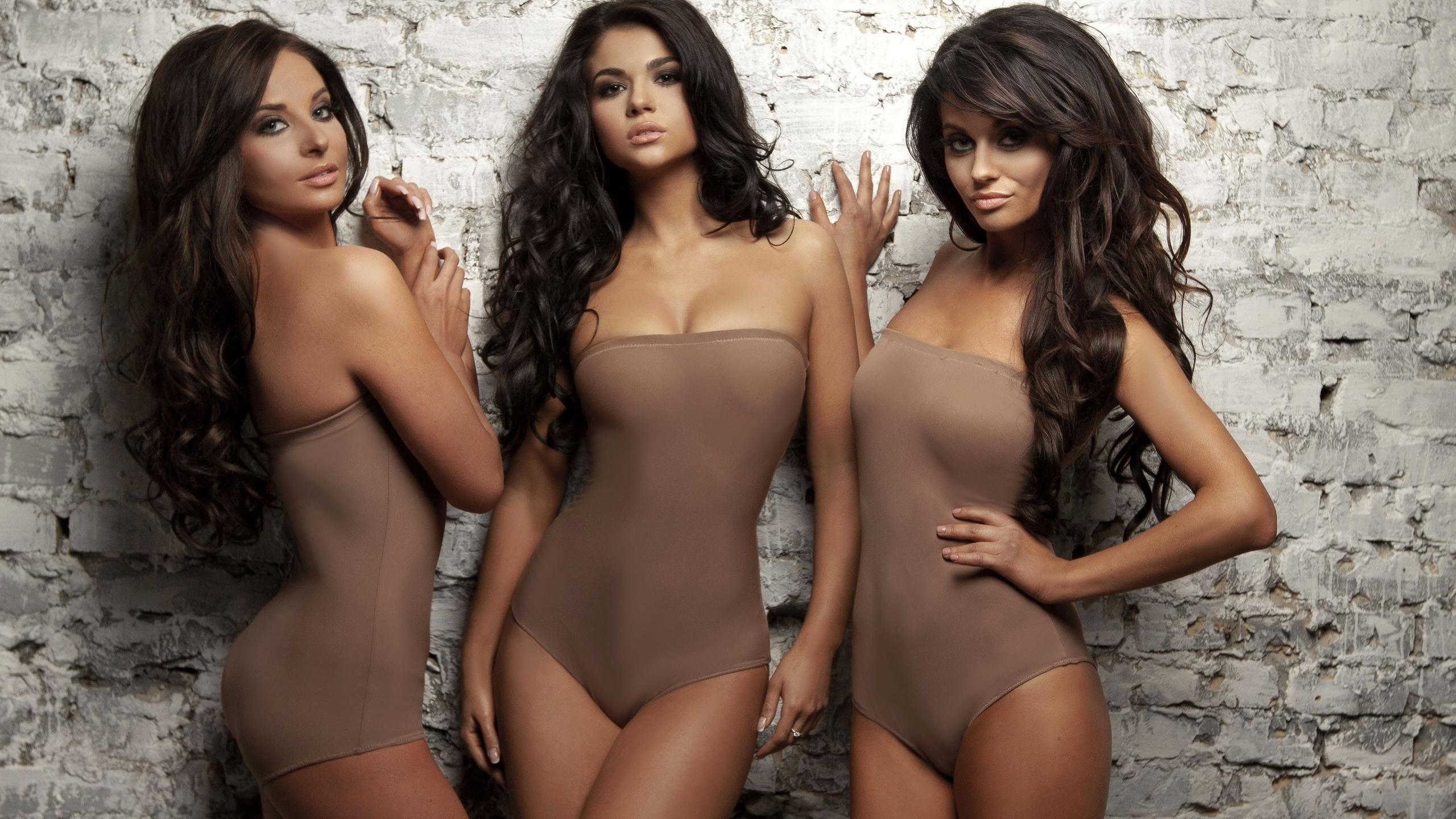 Фотосессия трио голых девушек качественное домашнее