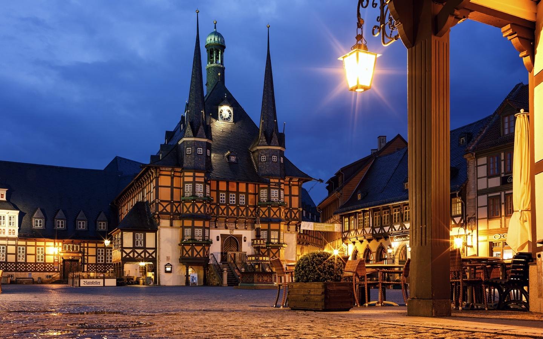 германия, кафе, дома, фонари, ночь, город
