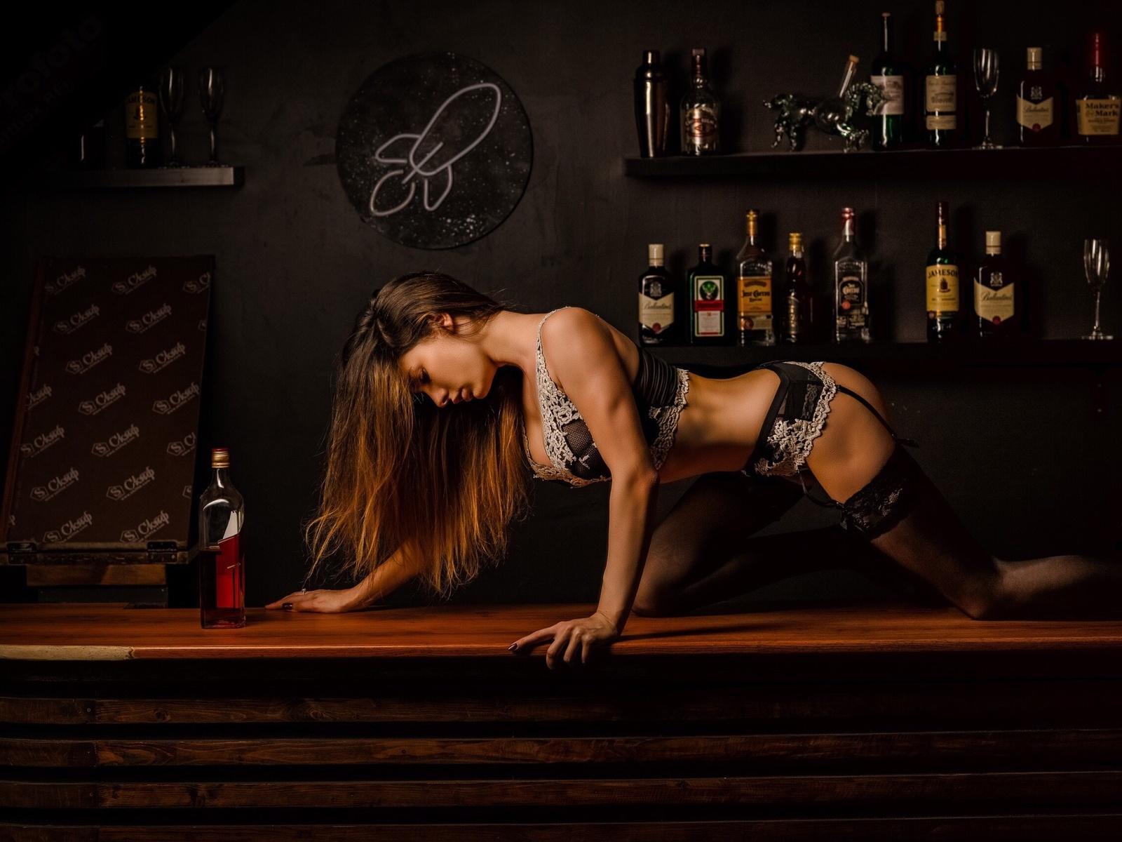 Днем, картинки с виски и девушкой