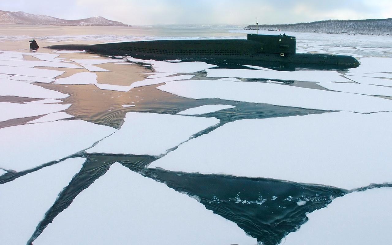 атомная, субмарина, льды, океан,берег,холод,небо,облака