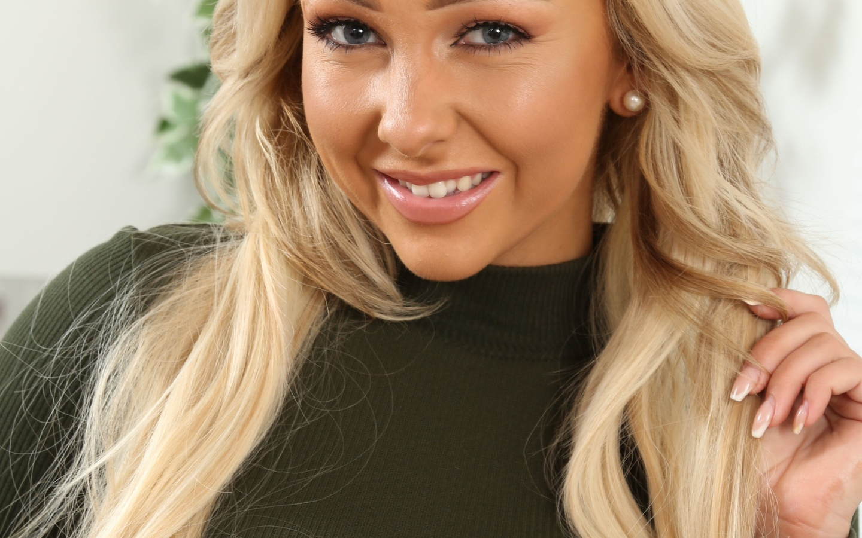 блондинка, взгляд, улыбка