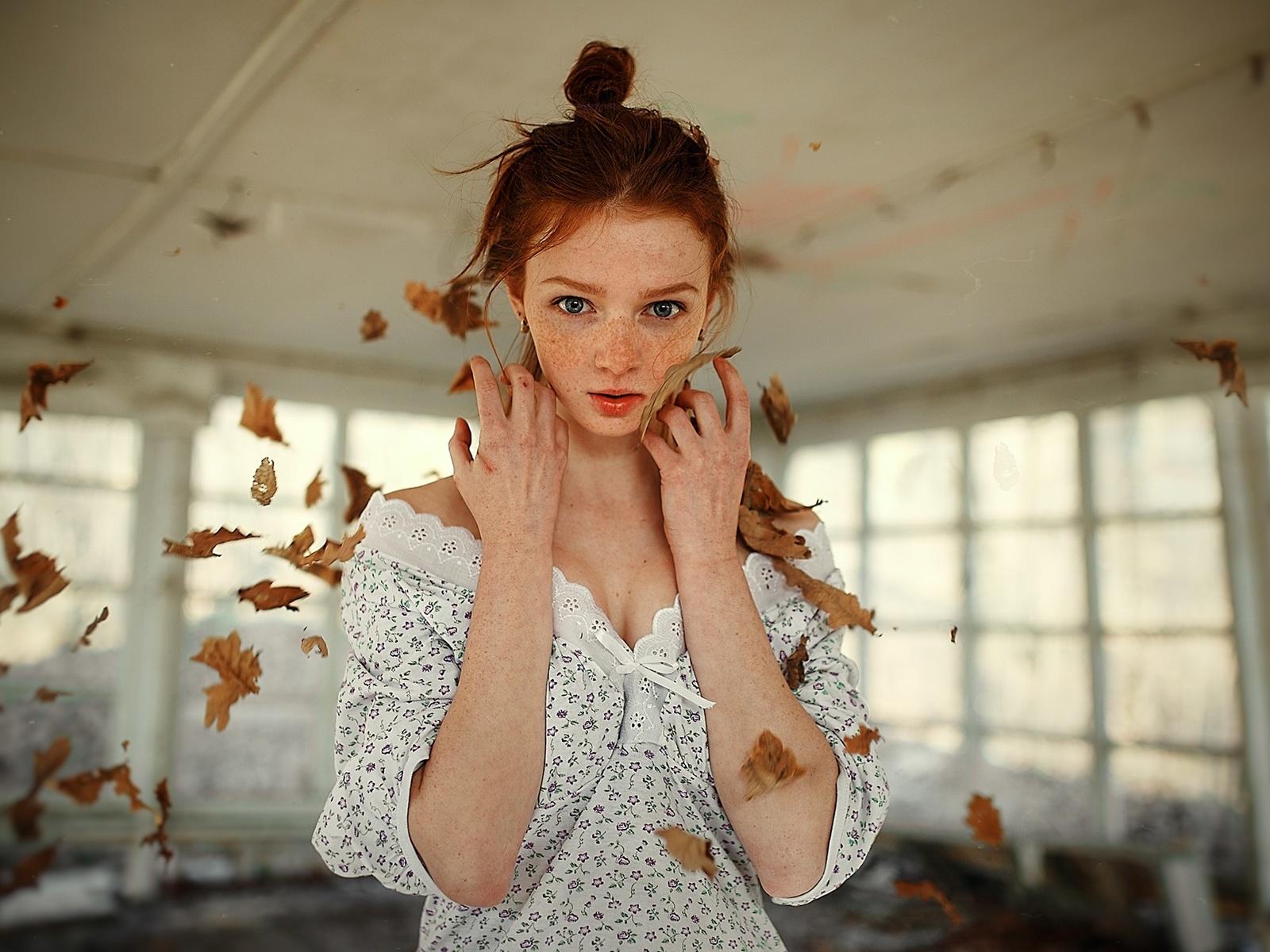 девушка, рыжая, листья, фотограф, сергей невзоров
