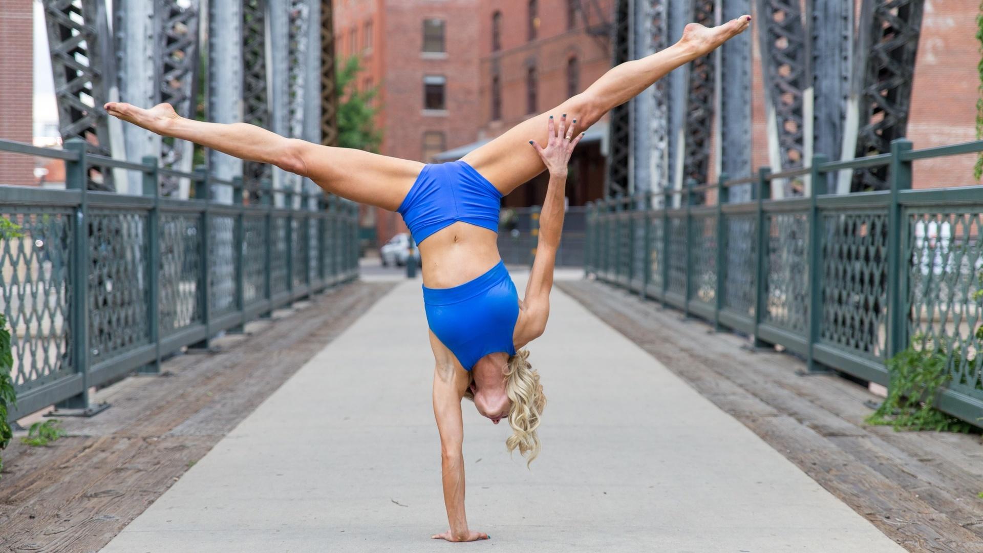 Обои спорт, гимнастика, девушка на рабочий стол 110162