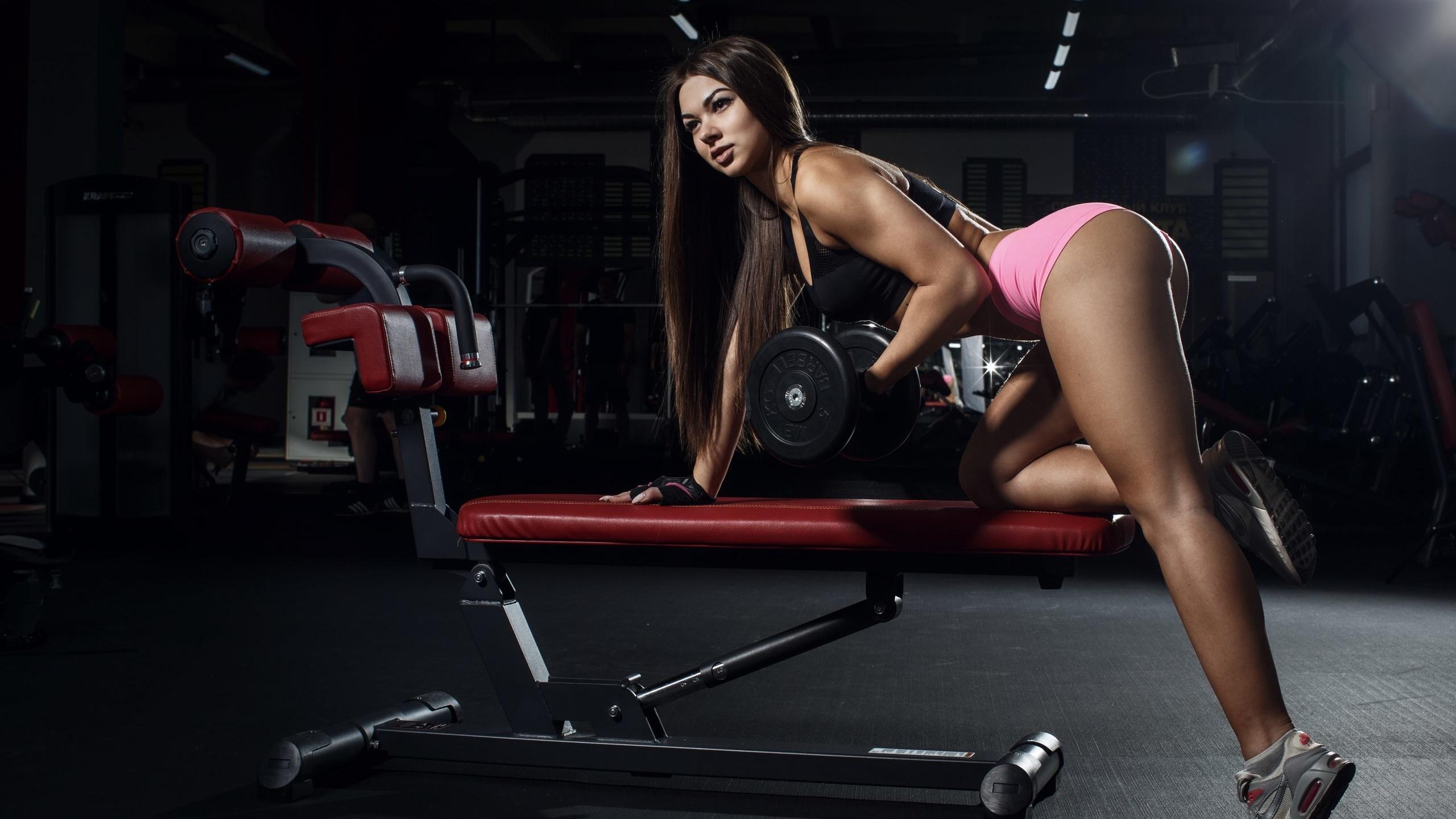 девушки секси в фитнес клубе качалке отличное качество фото доехали автобусе