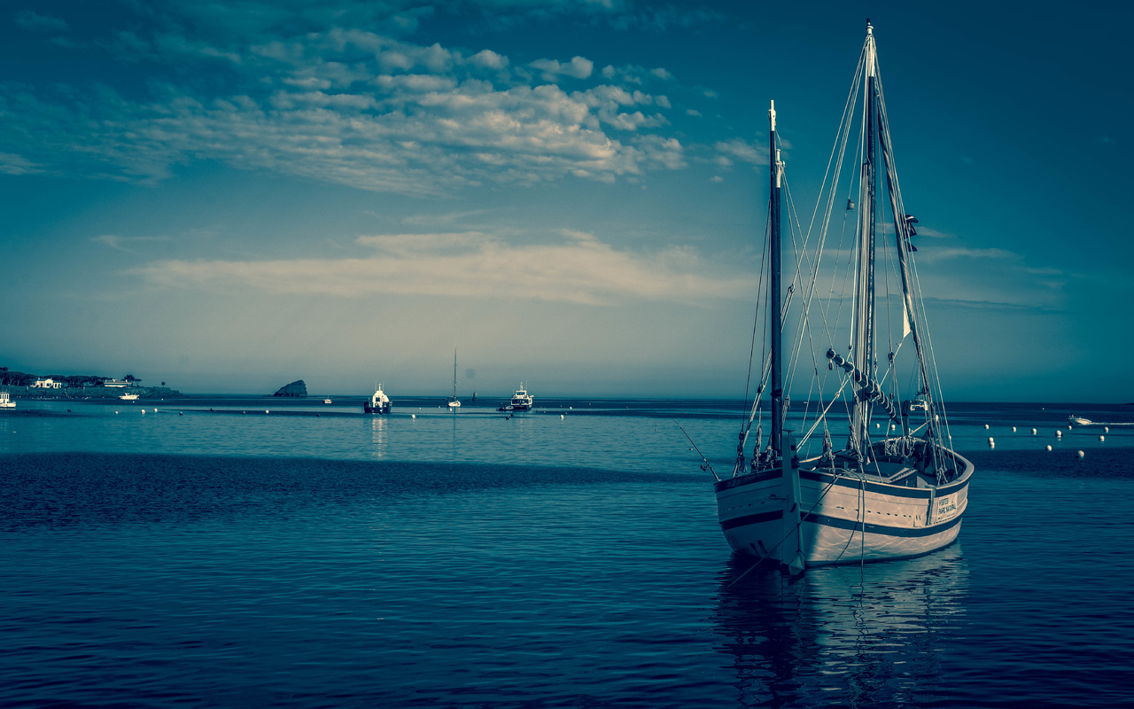 парусная лодка, море, облака, небо
