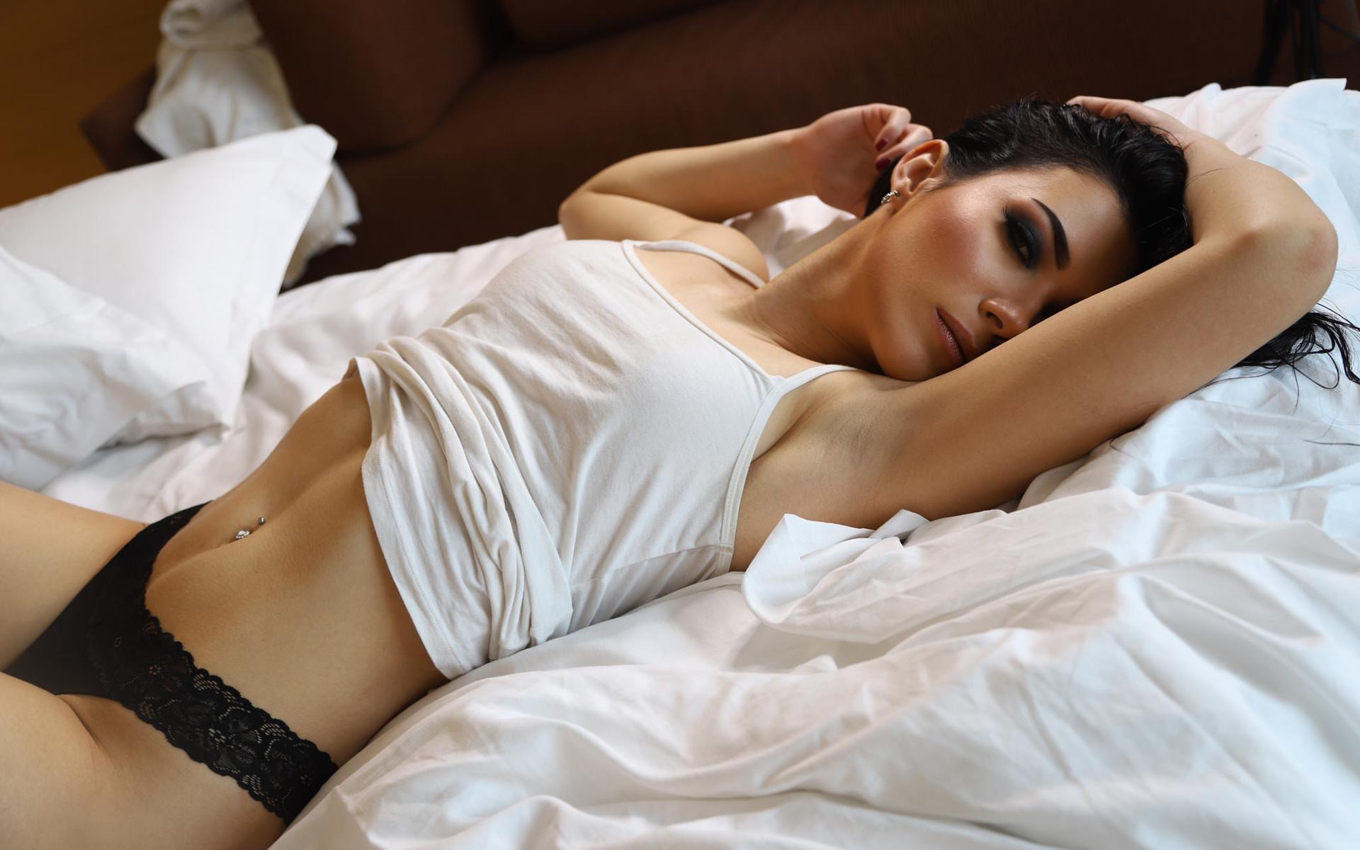 hot-girl-bedroom