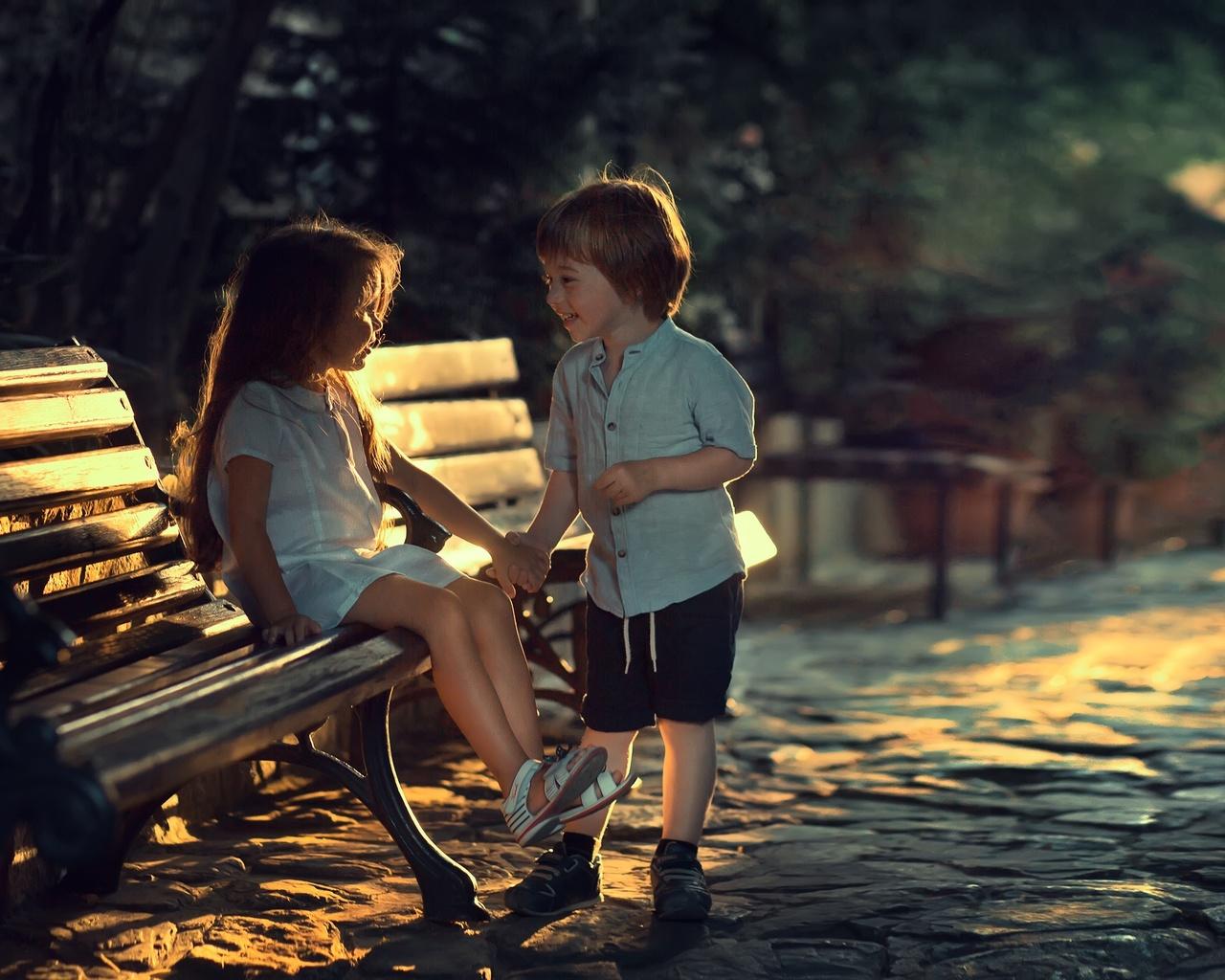 скамейка, дети, улица, вечер, мальчик, девочка, парочка, марианна смолина
