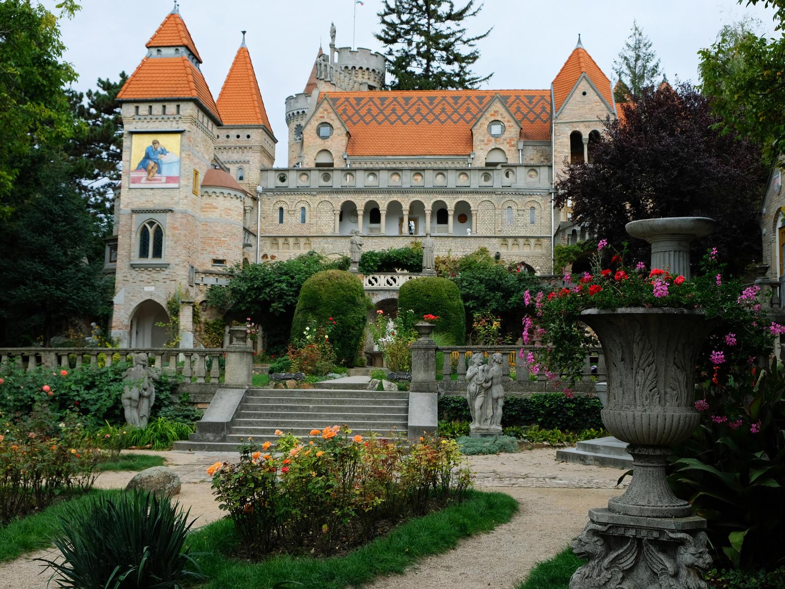 венгрия, замок, парк, скульптуры, bory castle, лестница, город