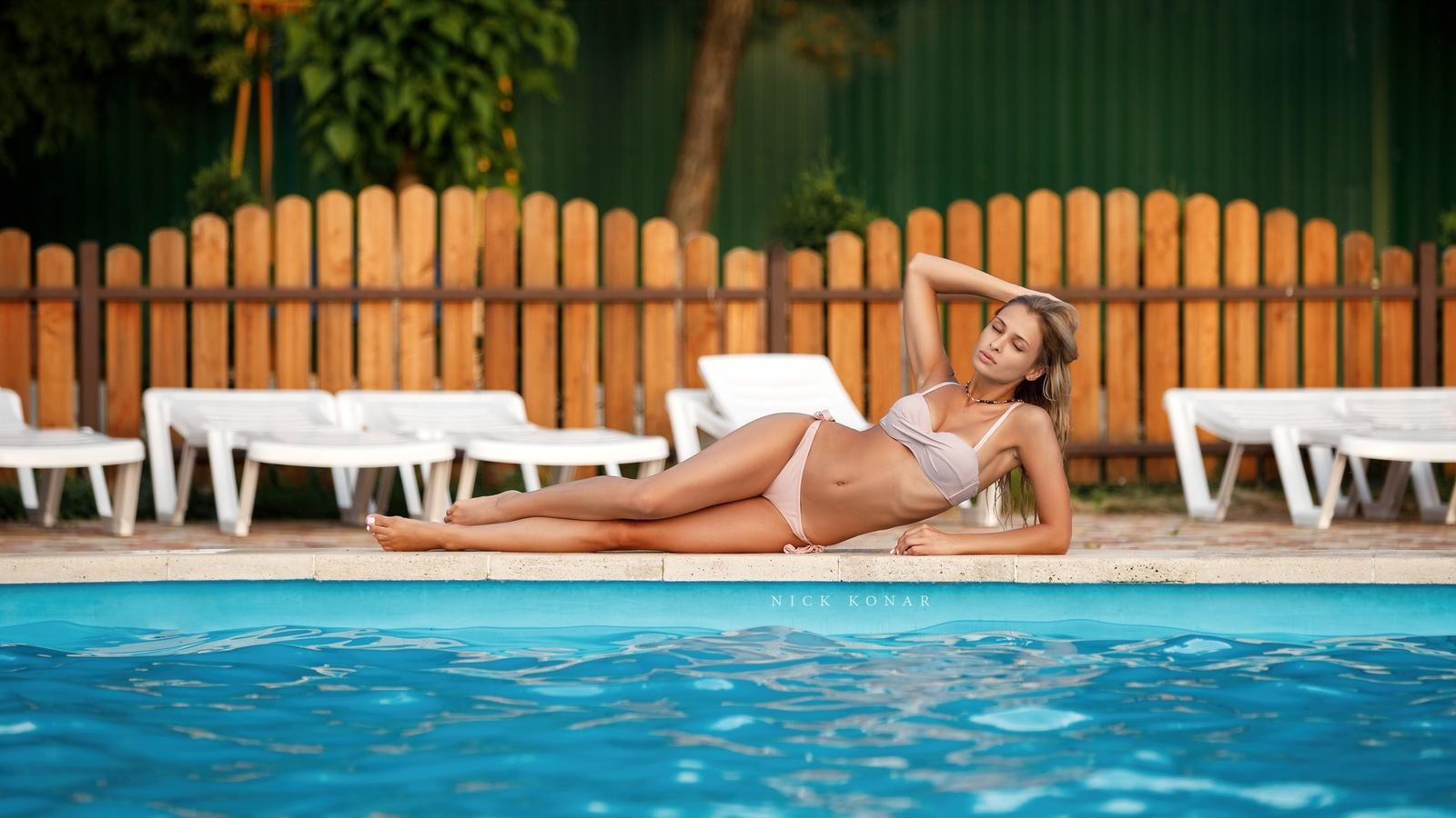 women, swimming pool, brunette, women outdoors, bikini, armpits, closed eyes, hips, ribs, trees, blonde, nick konar,николай конарев