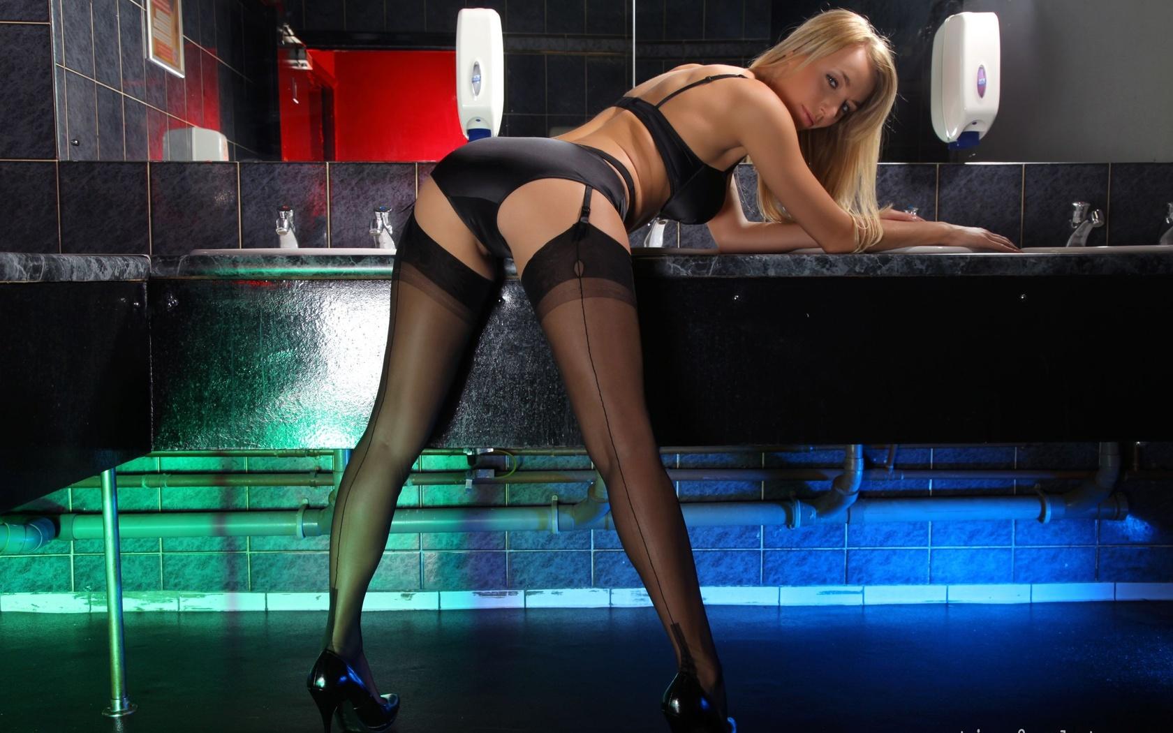 women, model, blonde, high heels, stockings, mirror, gray eyes, lingerie, black bras, black stockings, clothing, black panties, hayley marie coppin, leg, photo shoot, thigh