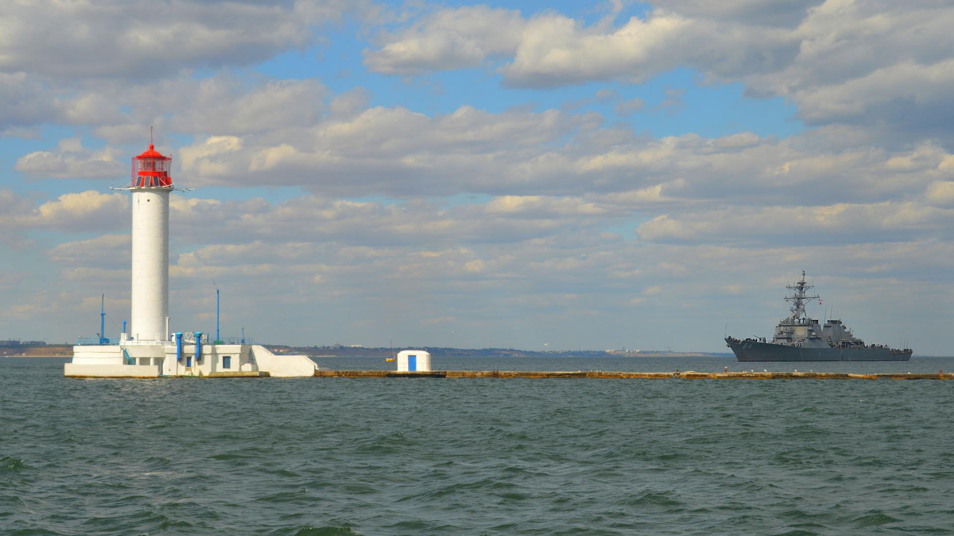 черное, море, маяк, эсминец