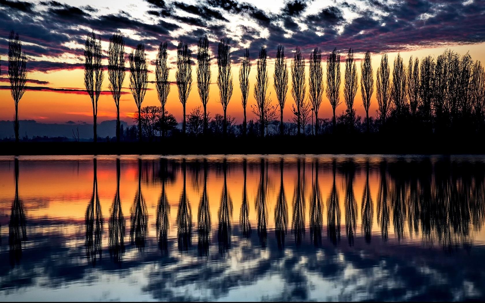 деревья, облака, италия.закат, вода, отображение, симметрия