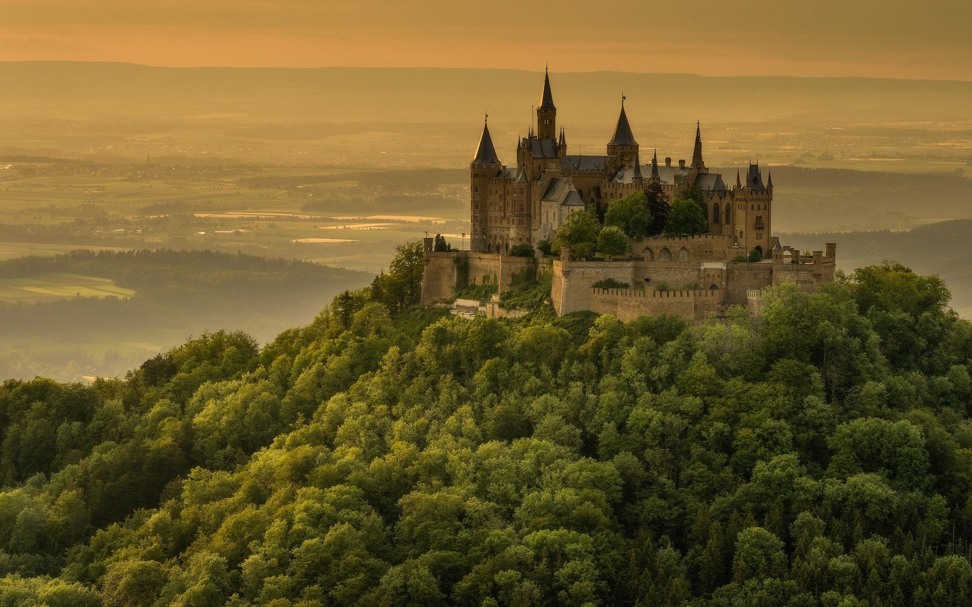 лес, лето, деревья, горы, туман, замок, холмы, вид, высота, даль, германия, склон, горизонт, холм, башни, дымка