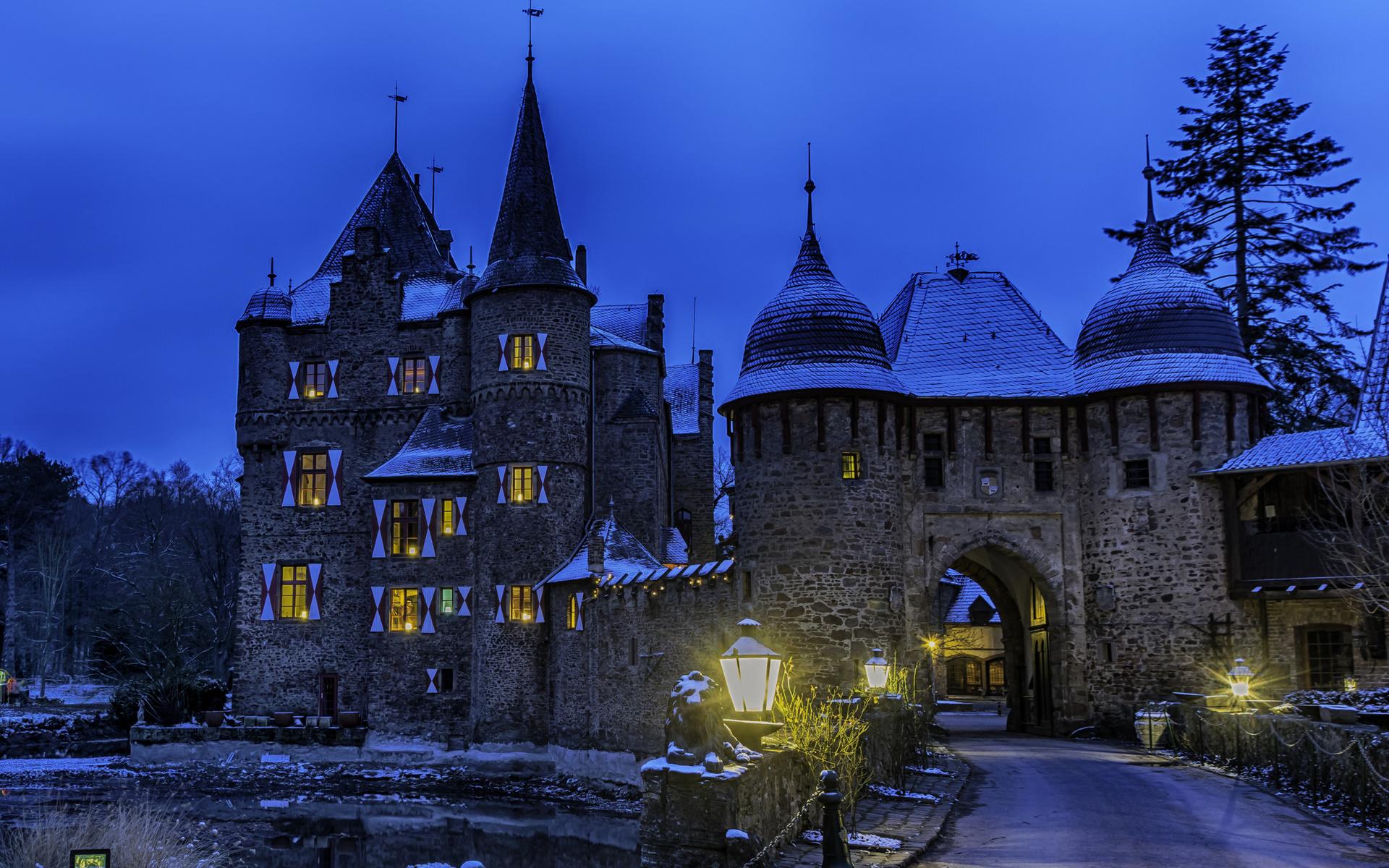 германия, замок, вечер, burg satzvey mechernich, уличные фонари