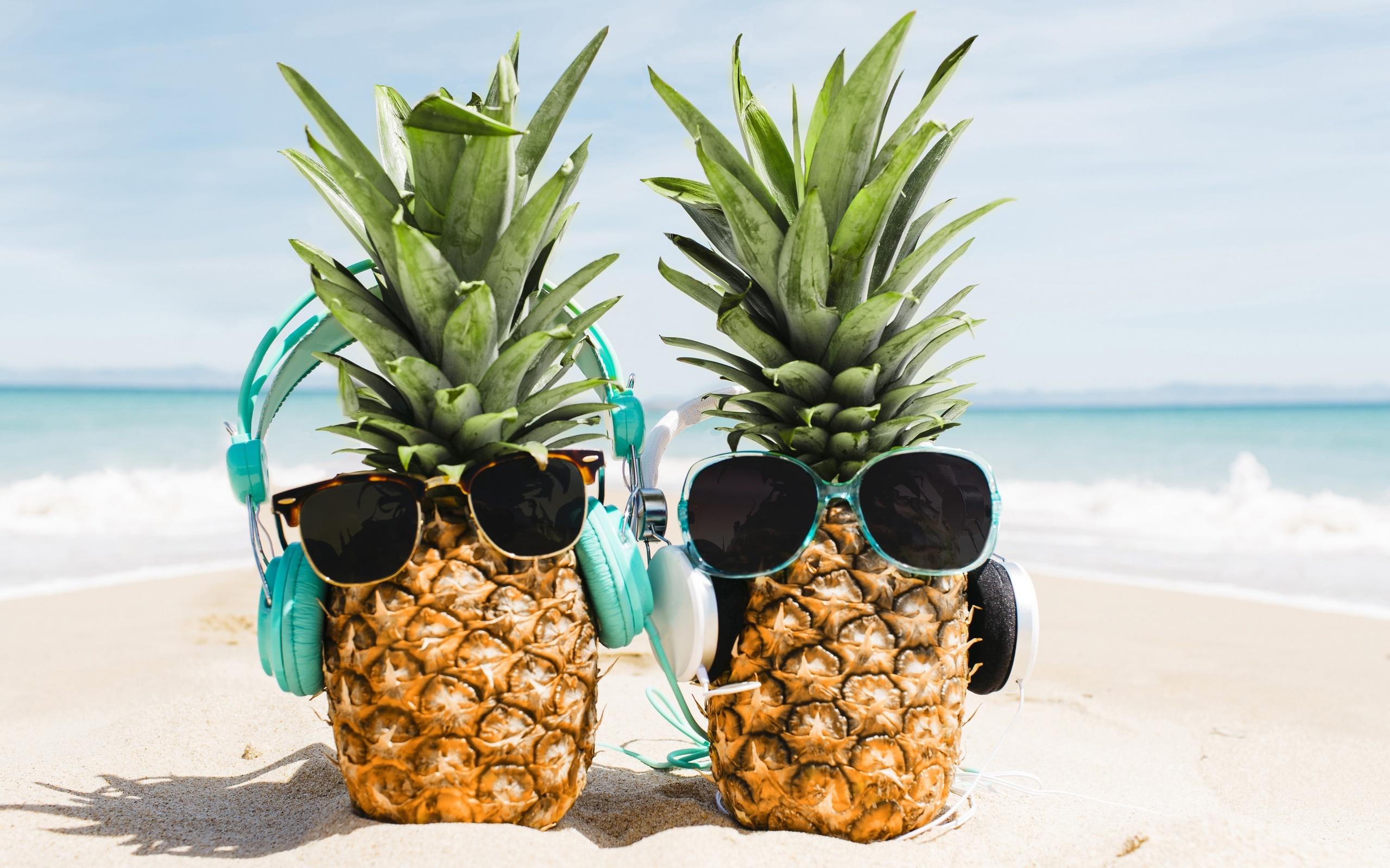 Яркие летние картинки ананас