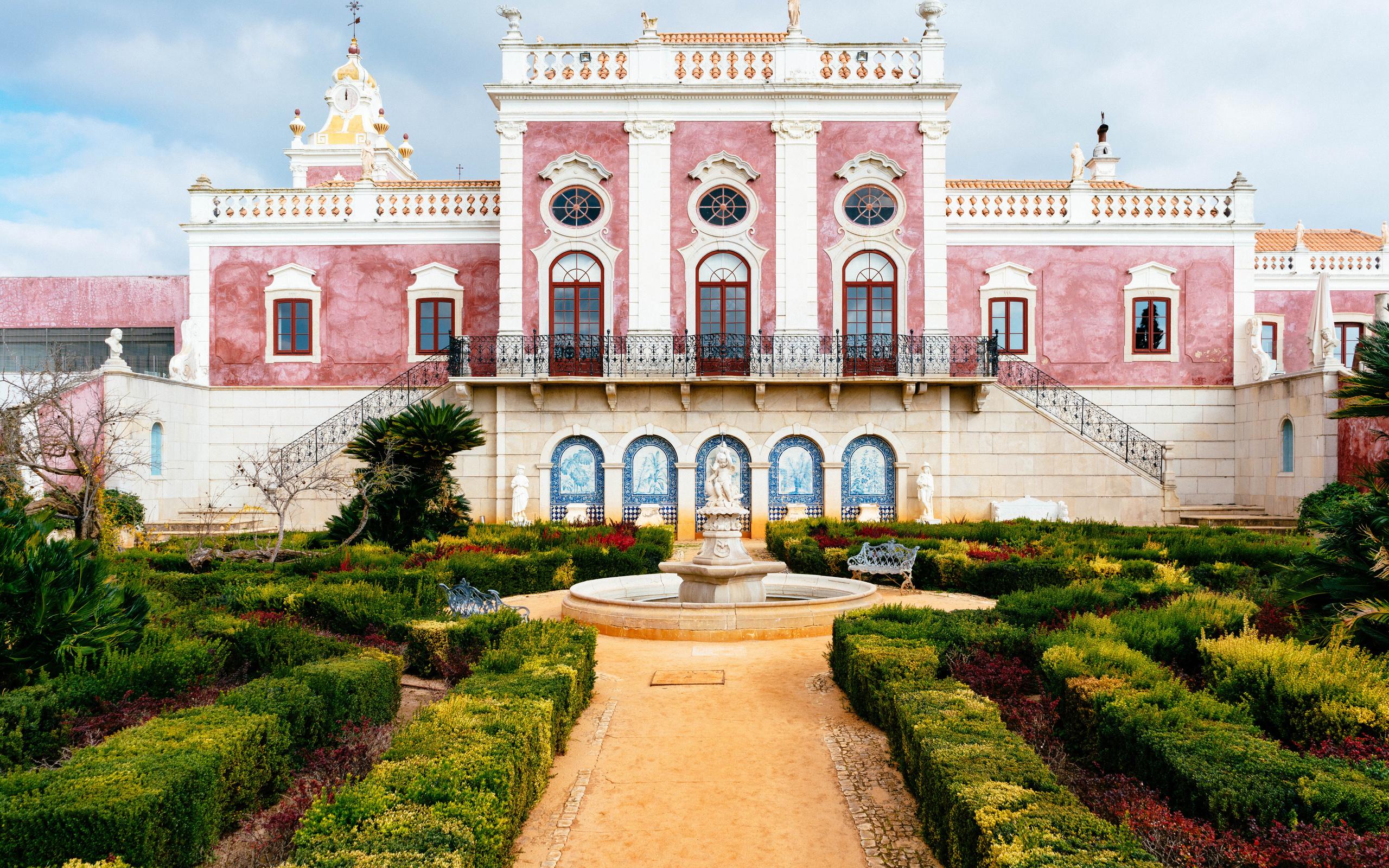 португалия, сад, фонтан, pousada, palacio de estoi faro, дворец, кусты, город