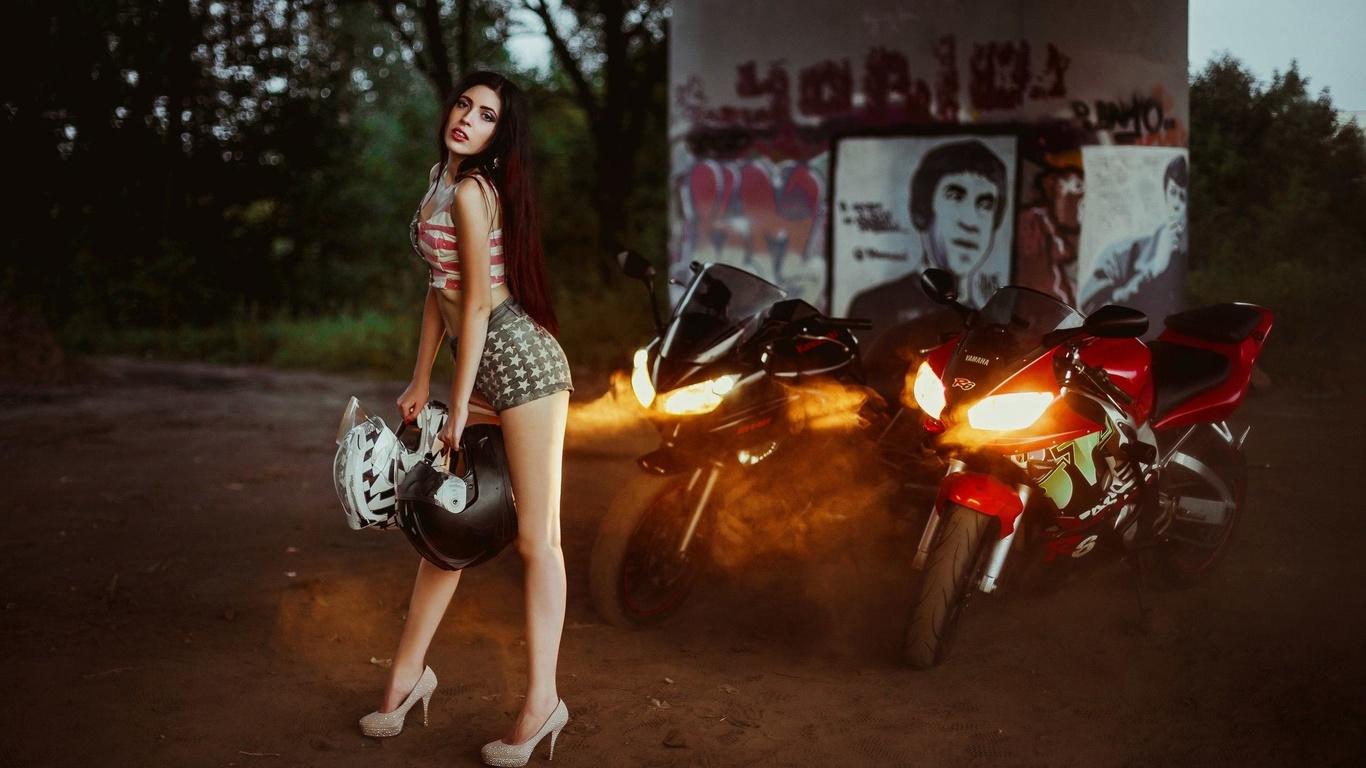 девушка, мотоцикл, вечер