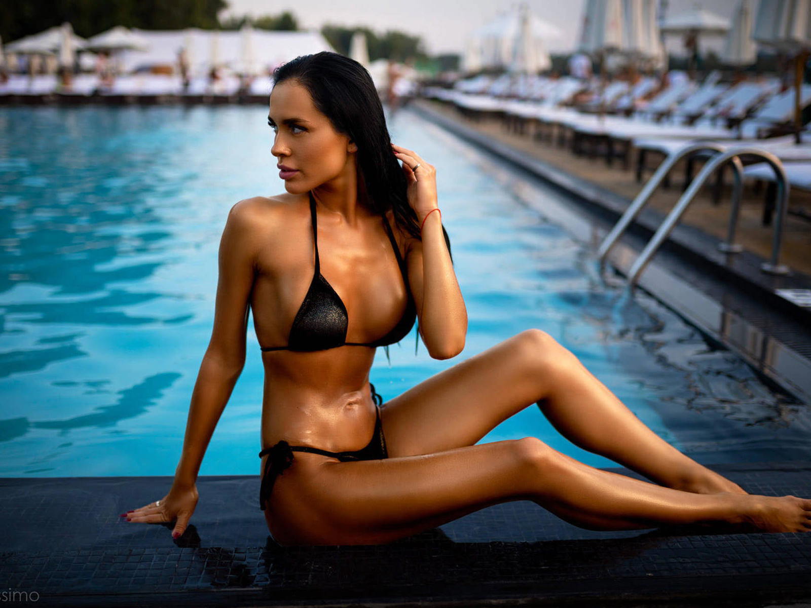 women, tanned, swimming pool, women outdoors, black bikini, belly, sitting, red nails, looking away, pink lipstick