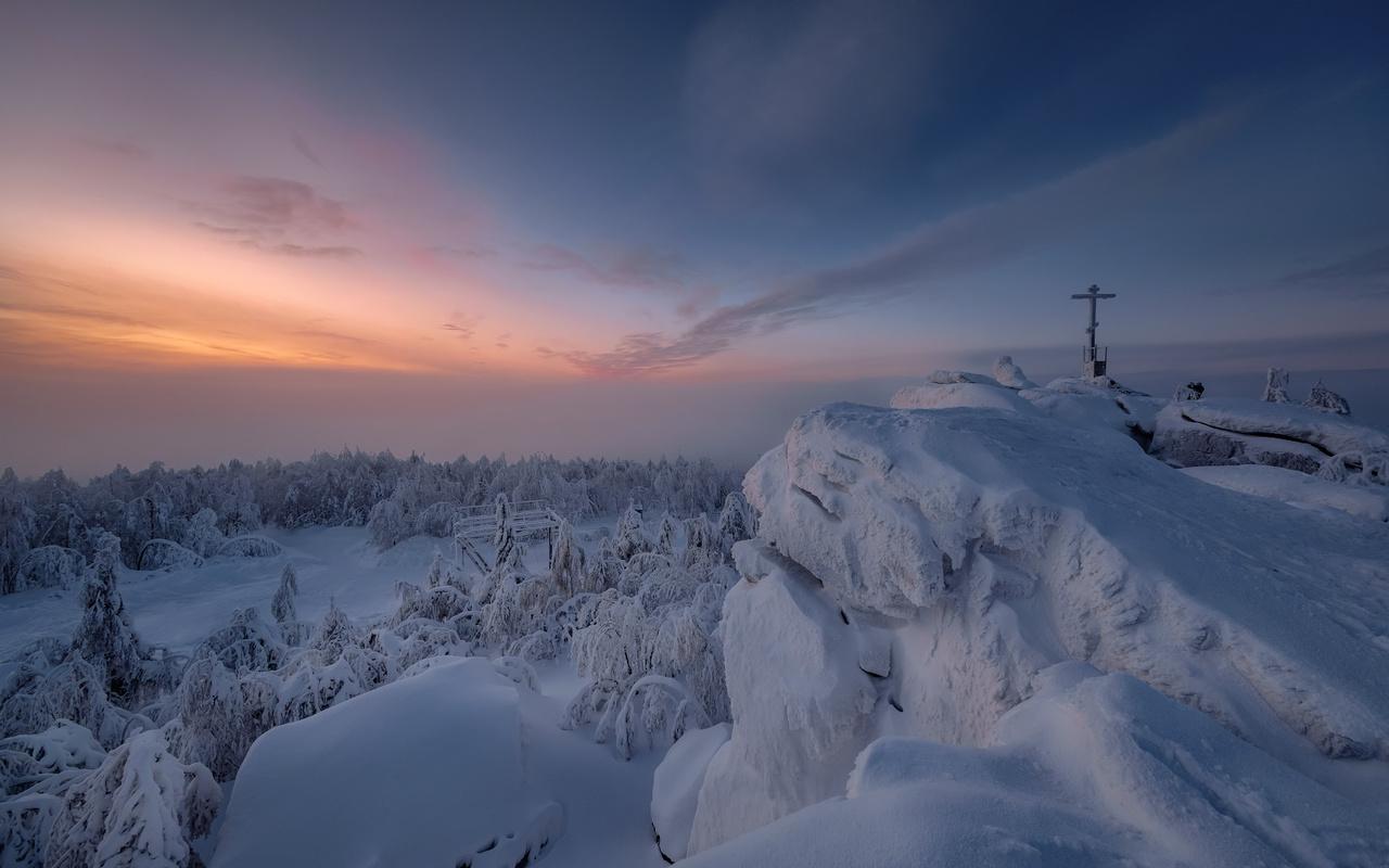 зима, снег, деревья, пейзаж, закат, горы, природа, пермский край, андрей Чиж, гора крестовая
