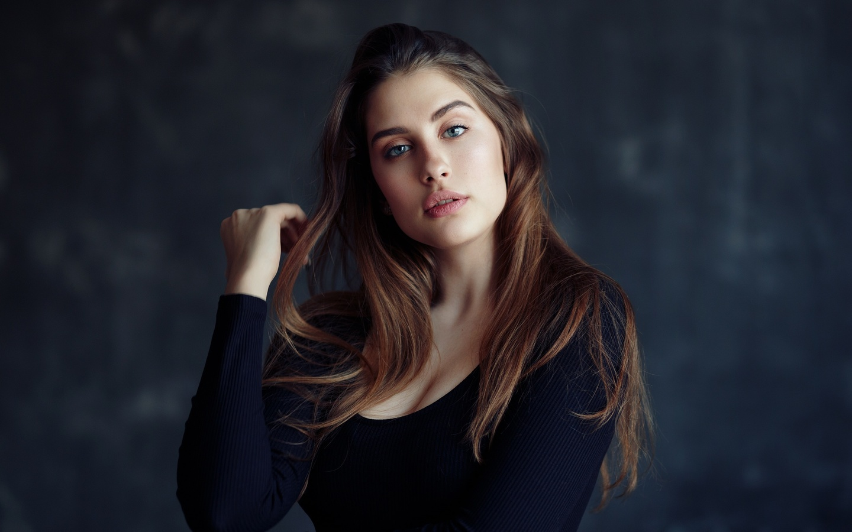women, portrait, blue eyes, long hair, women indoors, wall