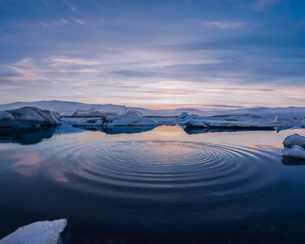 горизонт, вода, круги, снег