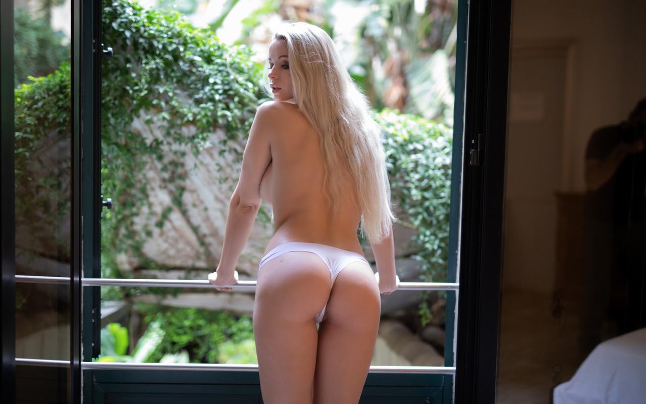ekaterina enokaeva, блонда, трусики, попка, красотка