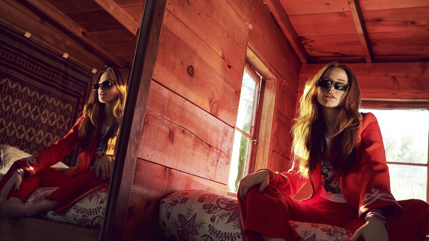 девушка, очки, зеркало