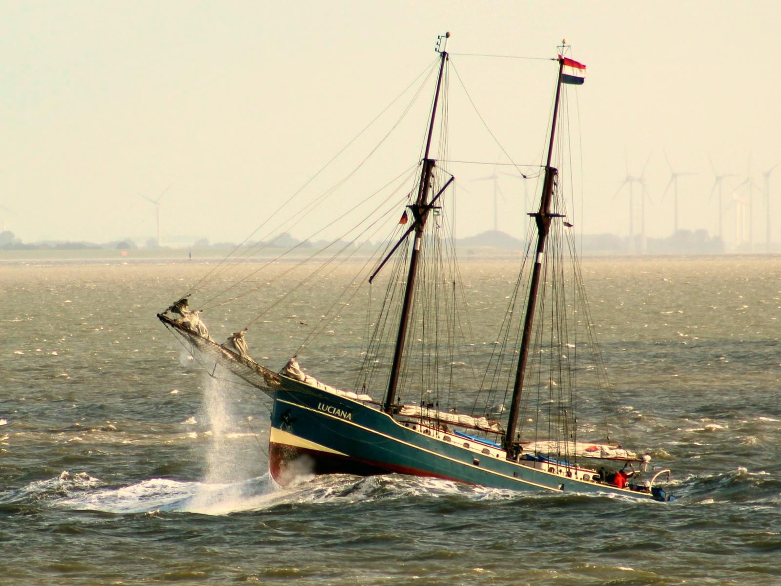 море, волны, корабль, шторм