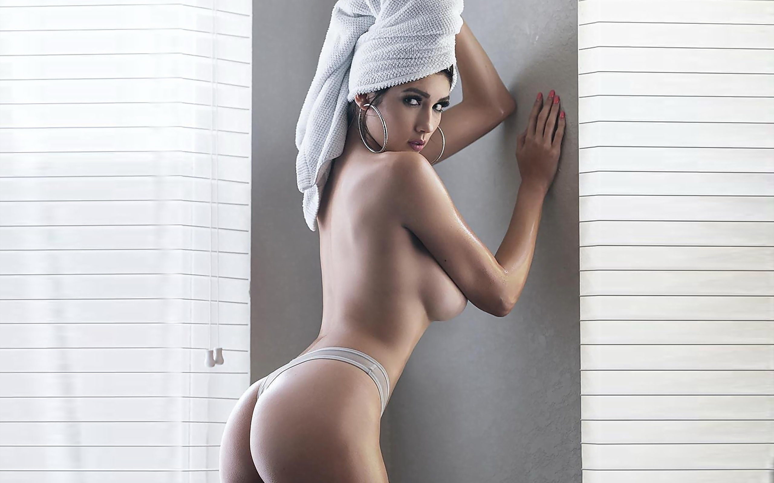 See and save as tania vazquez porn pict