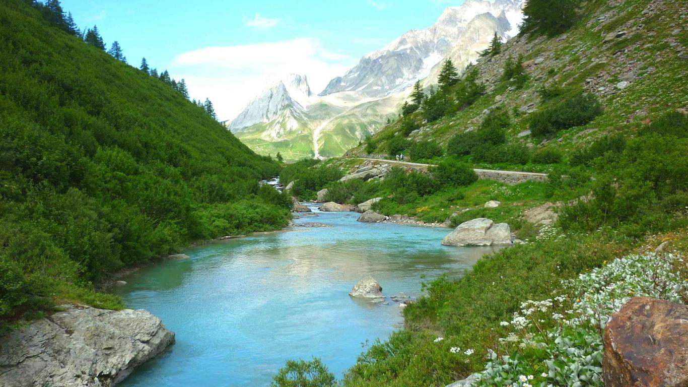 природа, пейзаж, горы, речушка, деревца, травы, камни