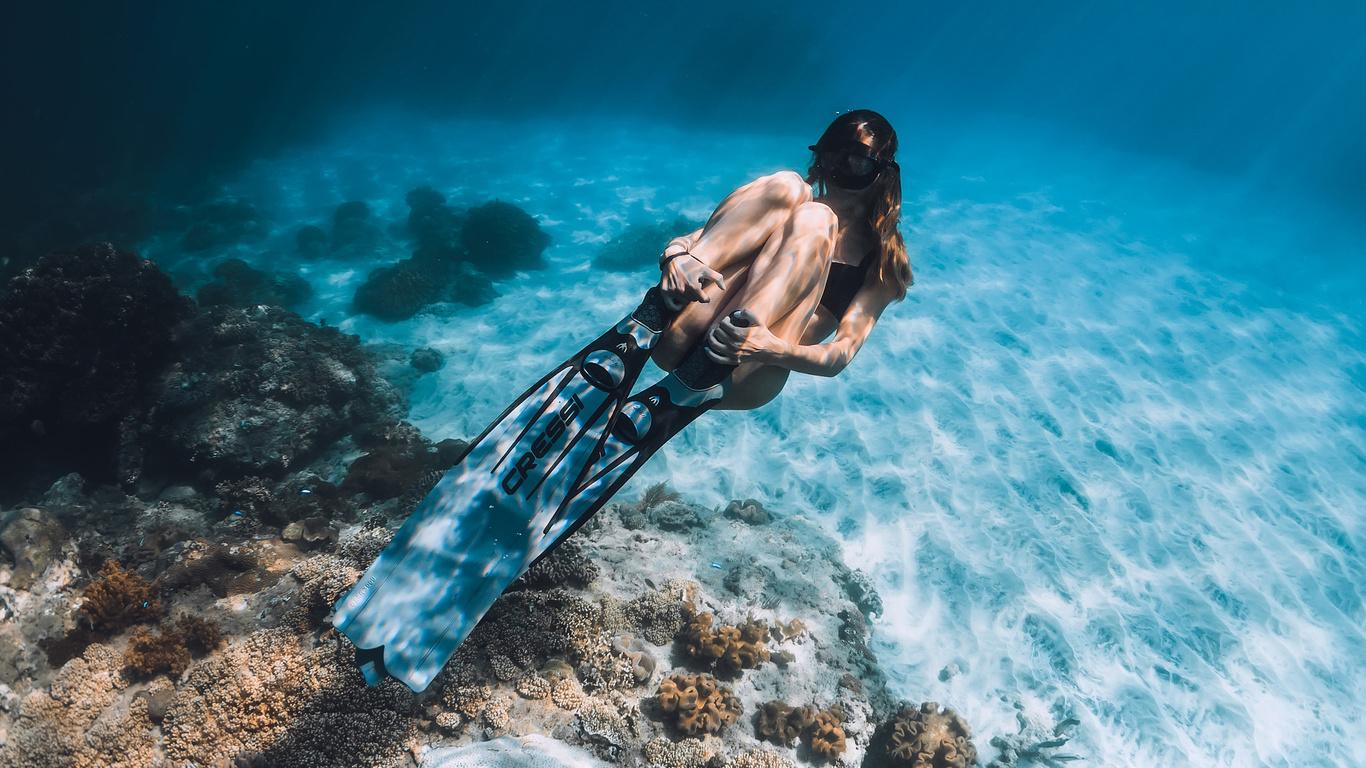 девушка, подводный мир