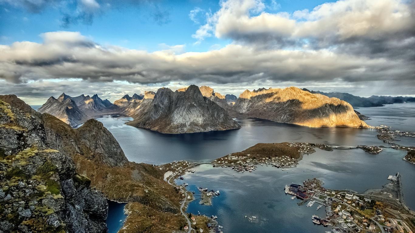 норвегия, лофотенские острова, горы, небо, облака, сверху, залив, природа