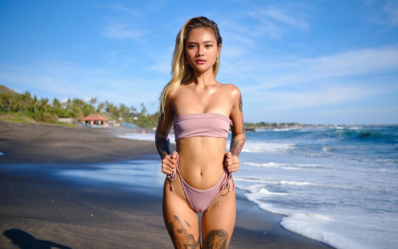 море, девушка, лето, модель, фигура, тело, эротика, позирует, попка, блондинка