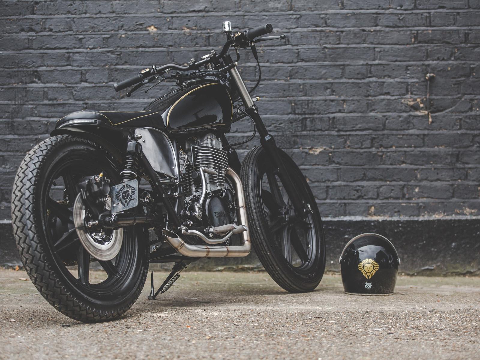 black, bobber, yamaha, sr500, мотоцикл, шлем