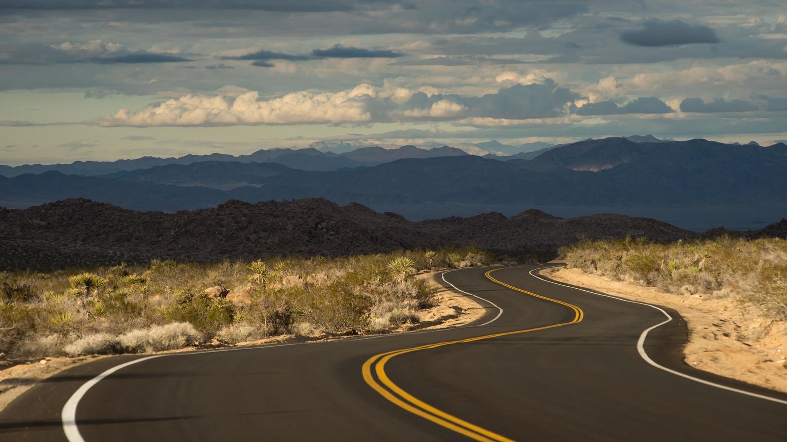 дорога, разметка, холмы, извилистые