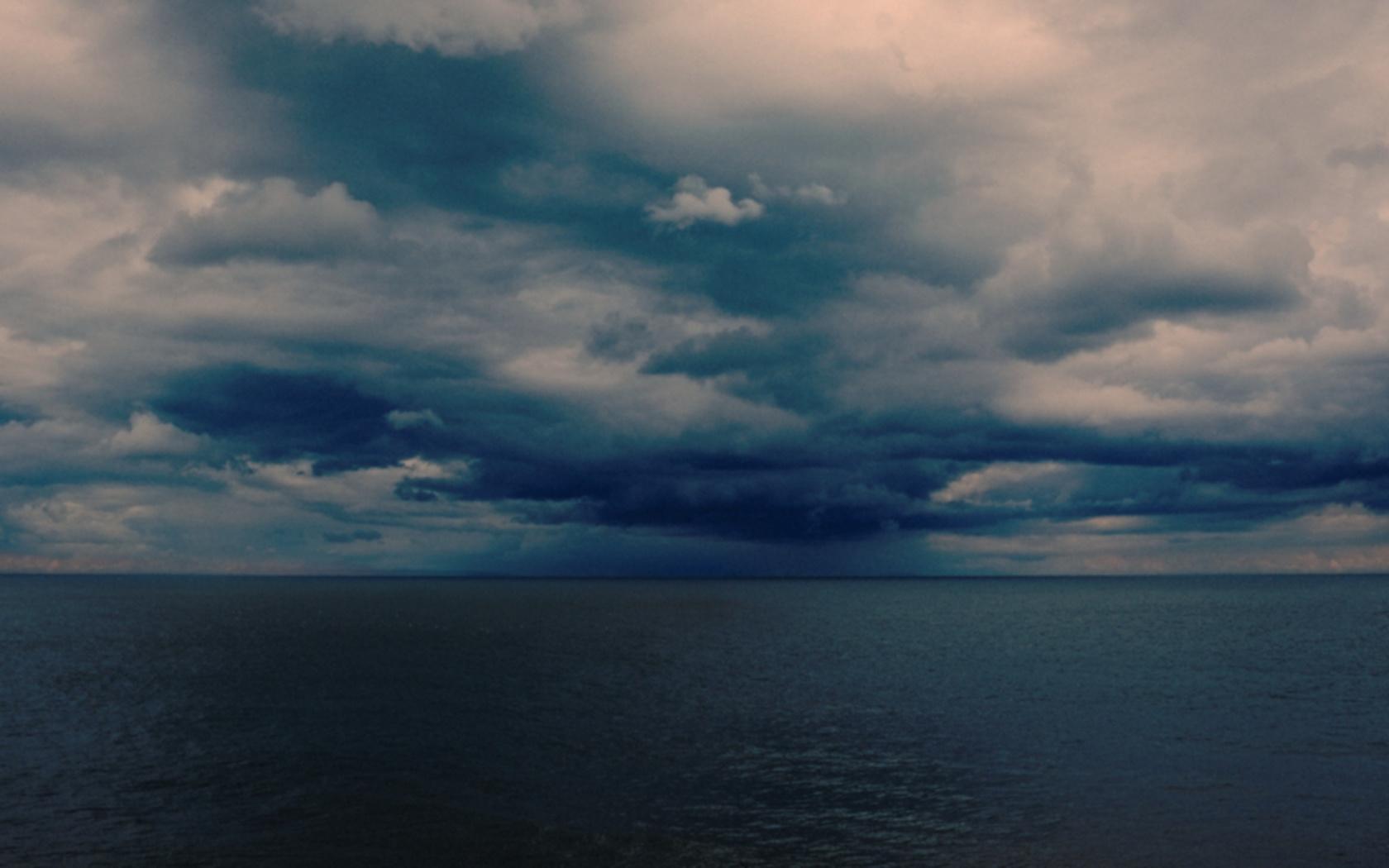 море, небо, хмуро