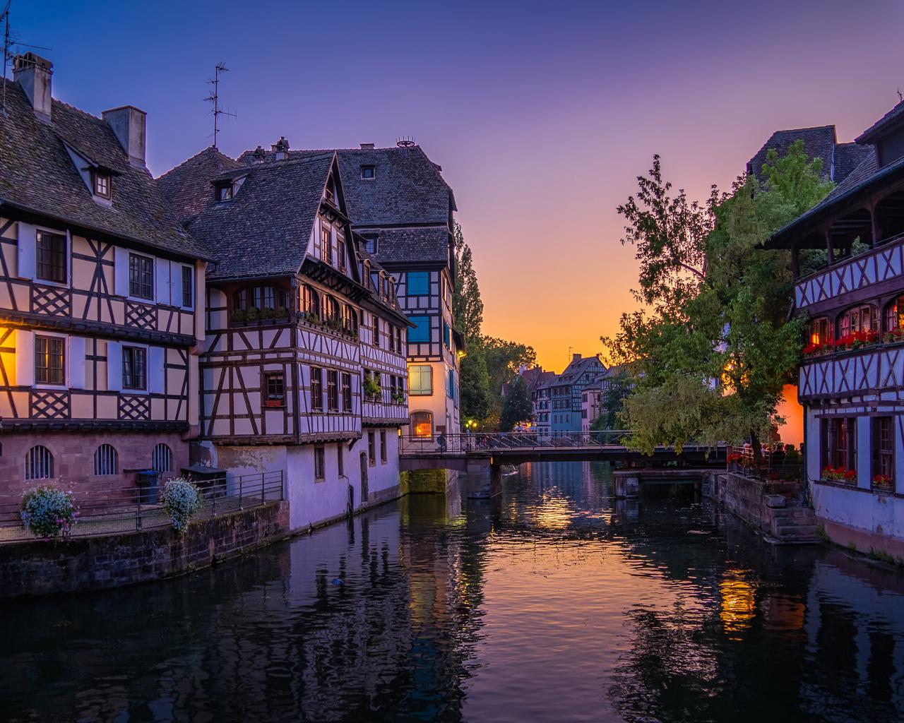 ночь, город, франция, дома, освещение, фонари, канал, мостик, страсбург, strasbourg